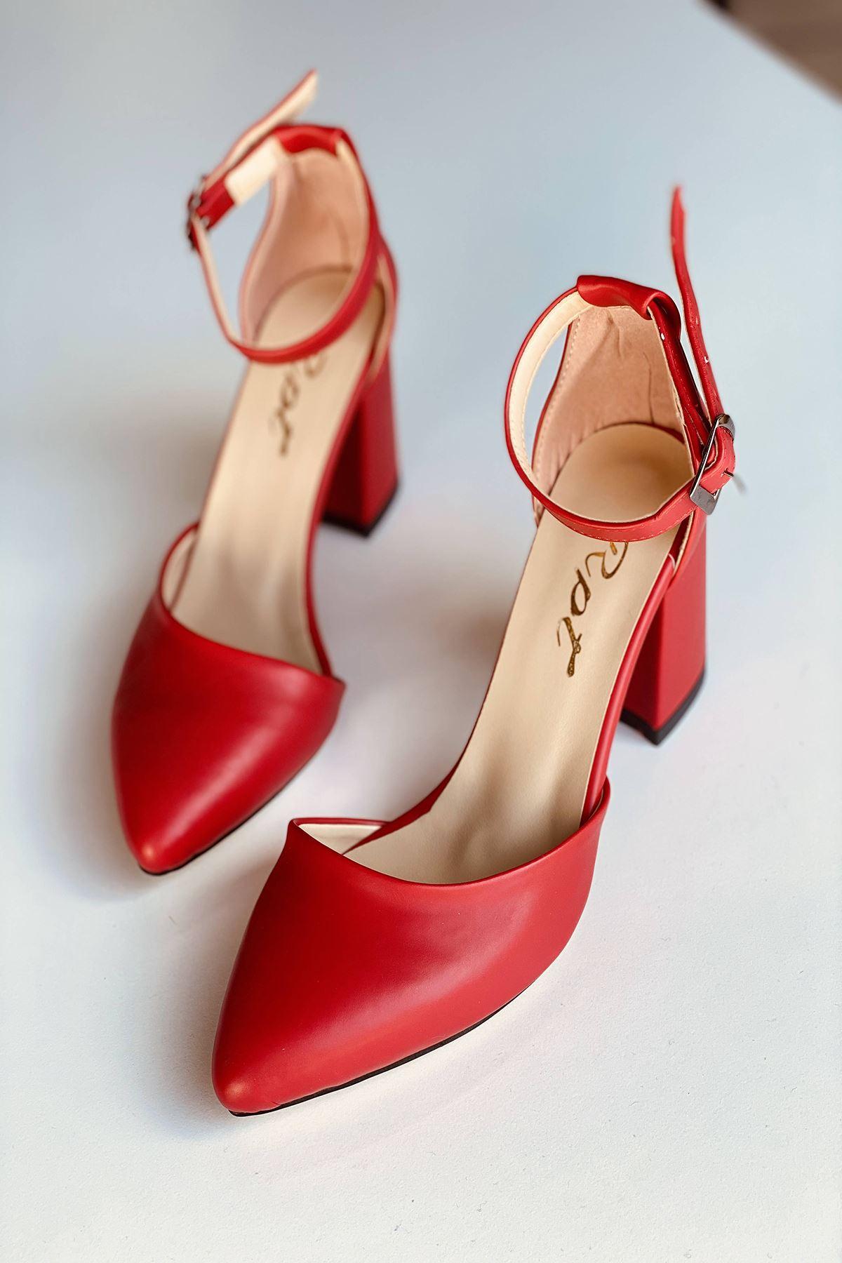 Y102 Kırmızı Deri Topuklu Ayakkabı