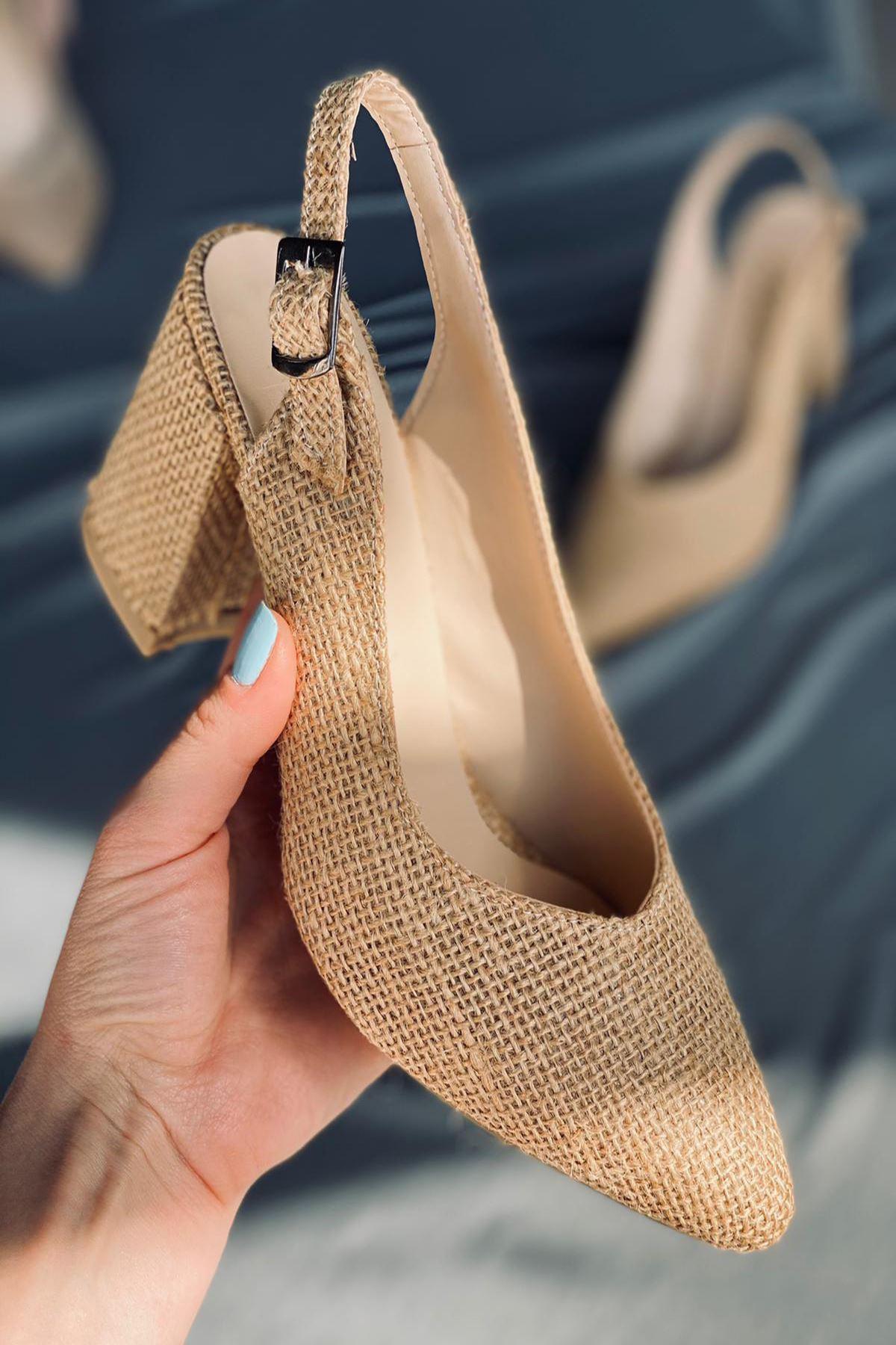 Y101 Hasır Topuklu Ayakkabı