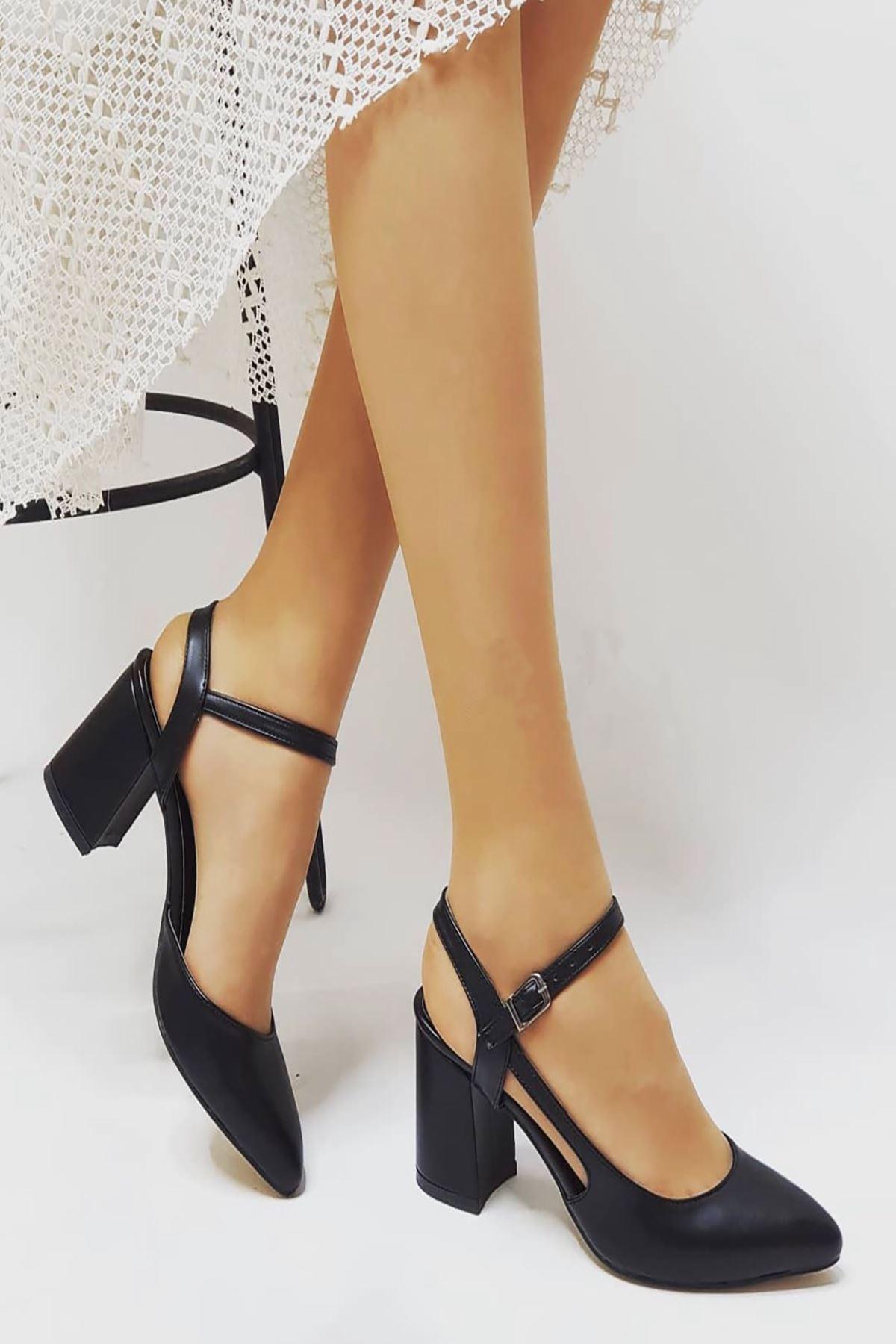 Y104 Siyah Deri Topuklu Ayakkabı