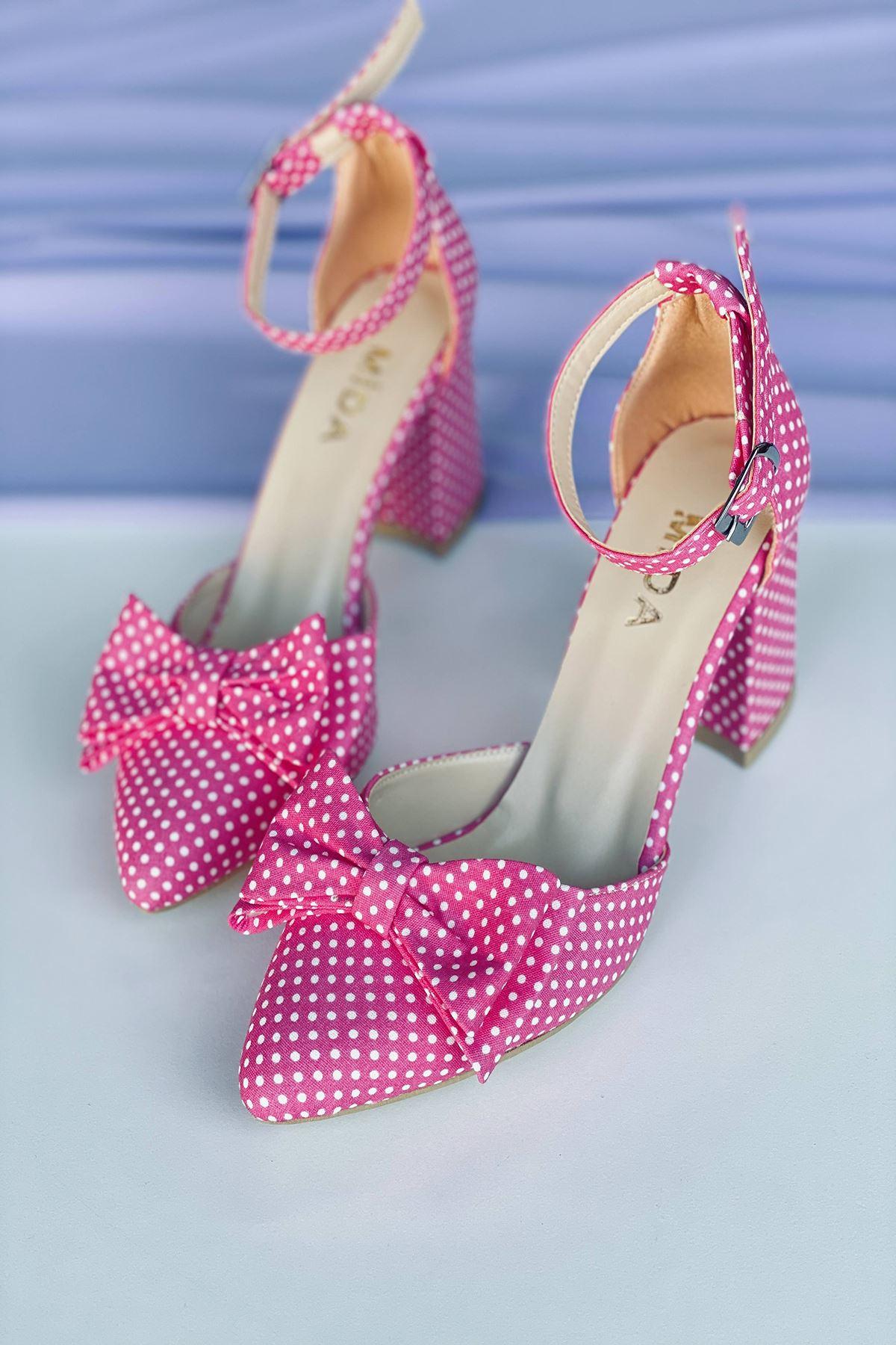 Y106 Pembe Puantiye Topuklu Ayakkabı