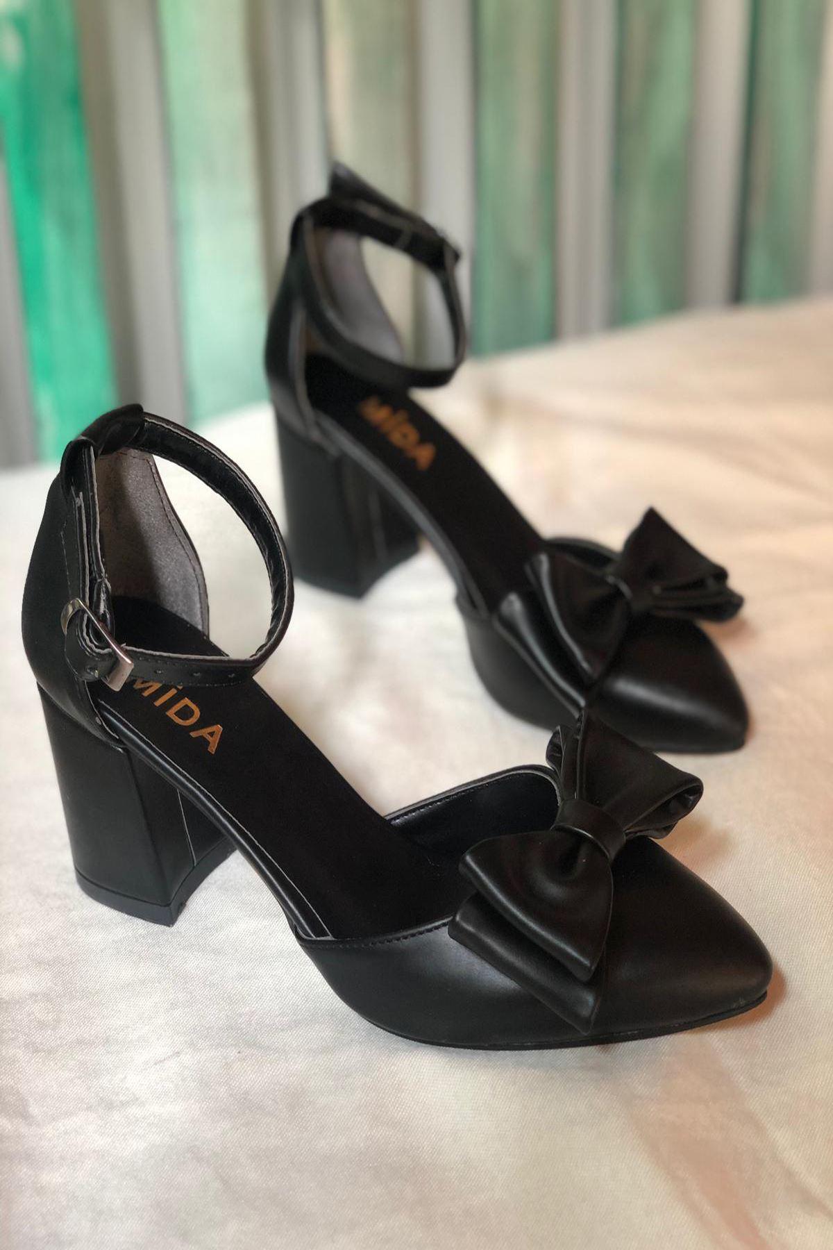 Y107 Siyah Deri Topuklu Ayakkabı