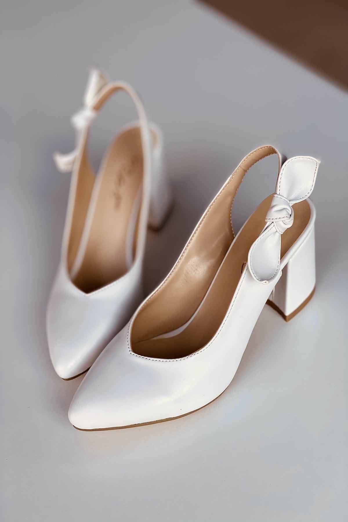 Y109 Beyaz Cilt Topuklu Ayakkabı