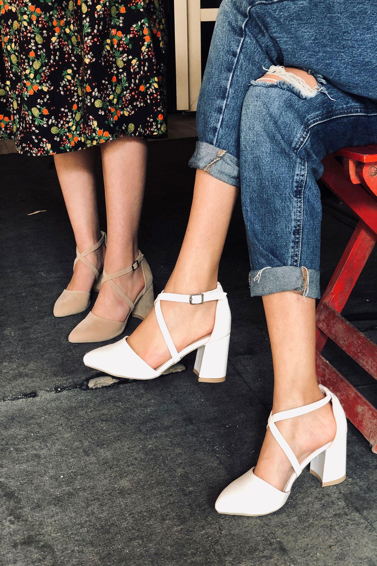 Y115 Beyaz Deri Topuklu Ayakkabı