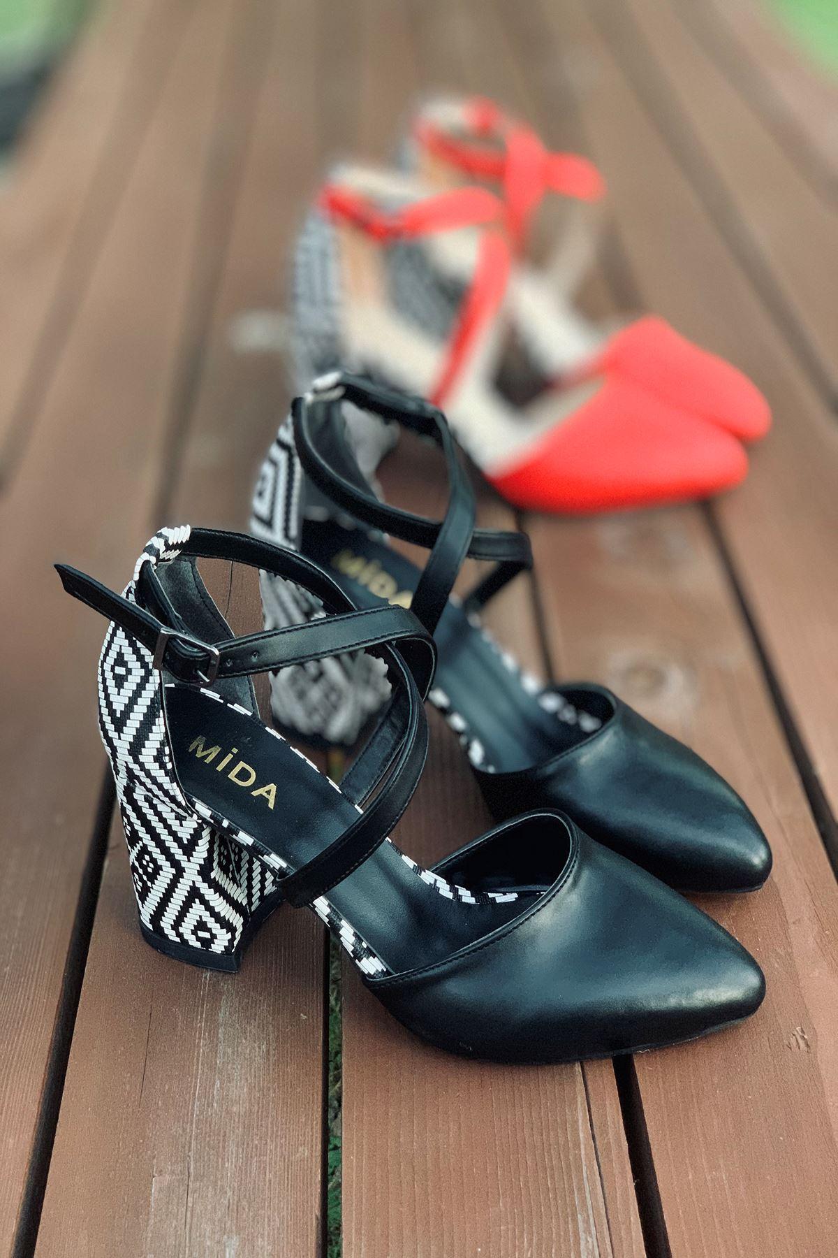 Y116 Siyah Garni Deri Topuklu Ayakkabı