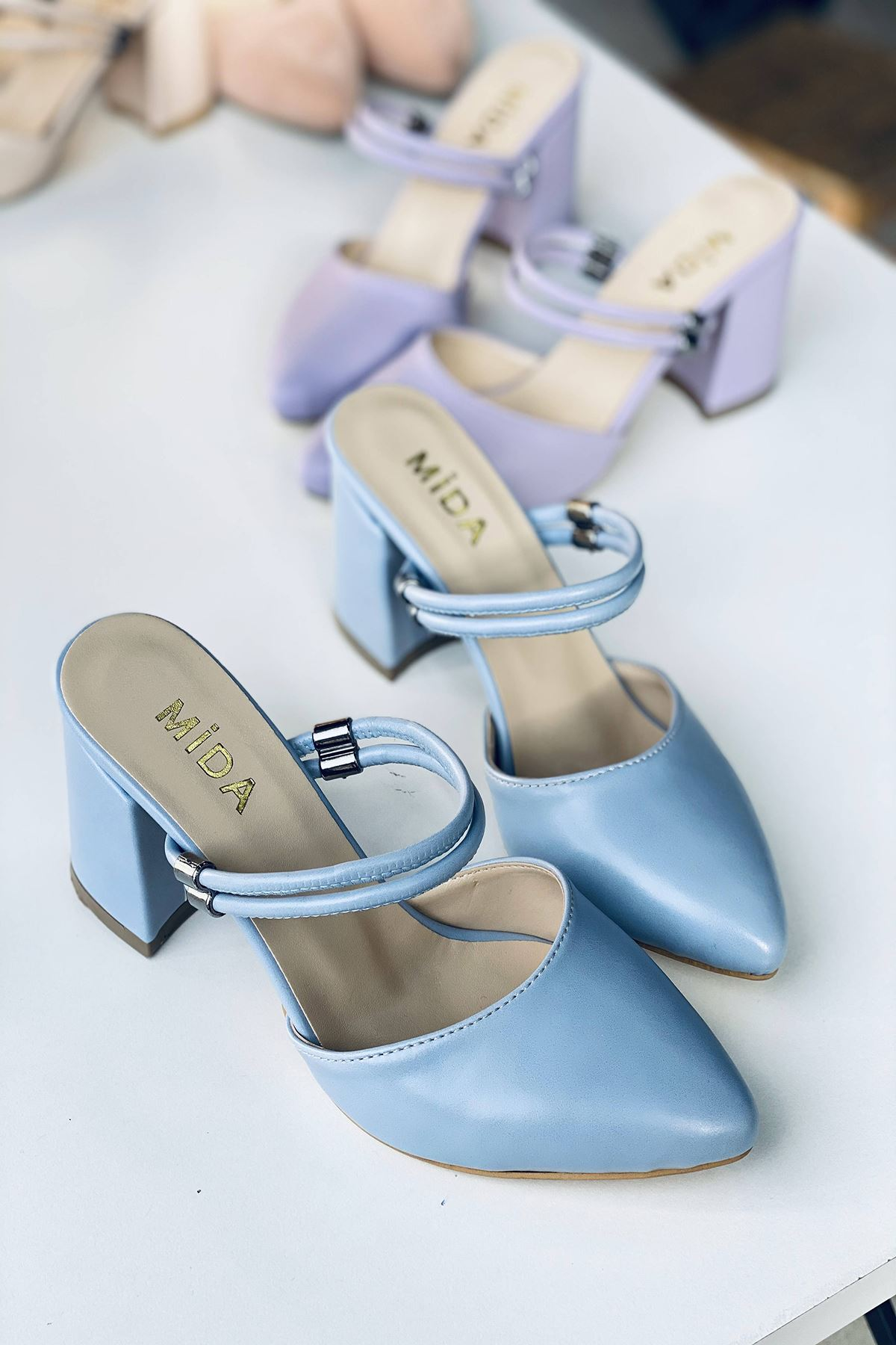 Y119 Bebe Mavi Deri Topuklu Ayakkabı