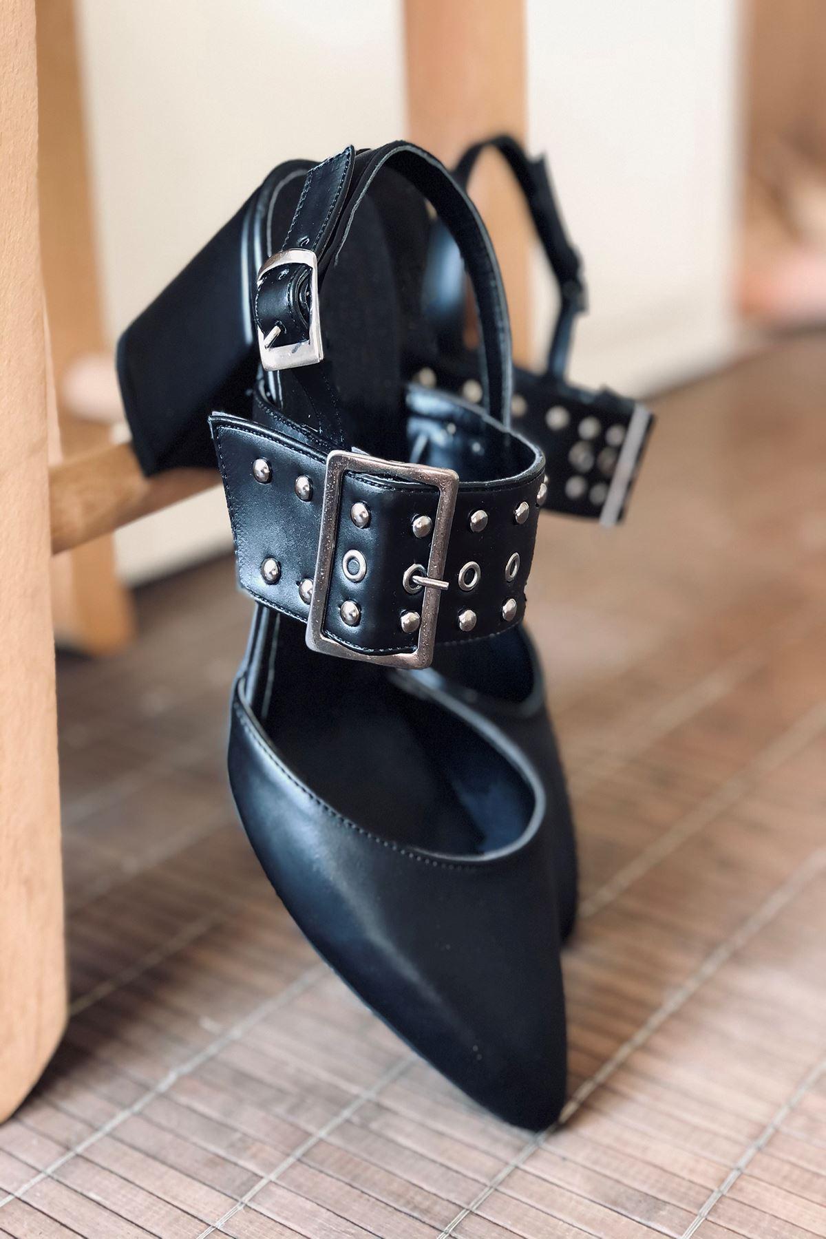 Y120 Siyah Deri Topuklu Ayakkabı