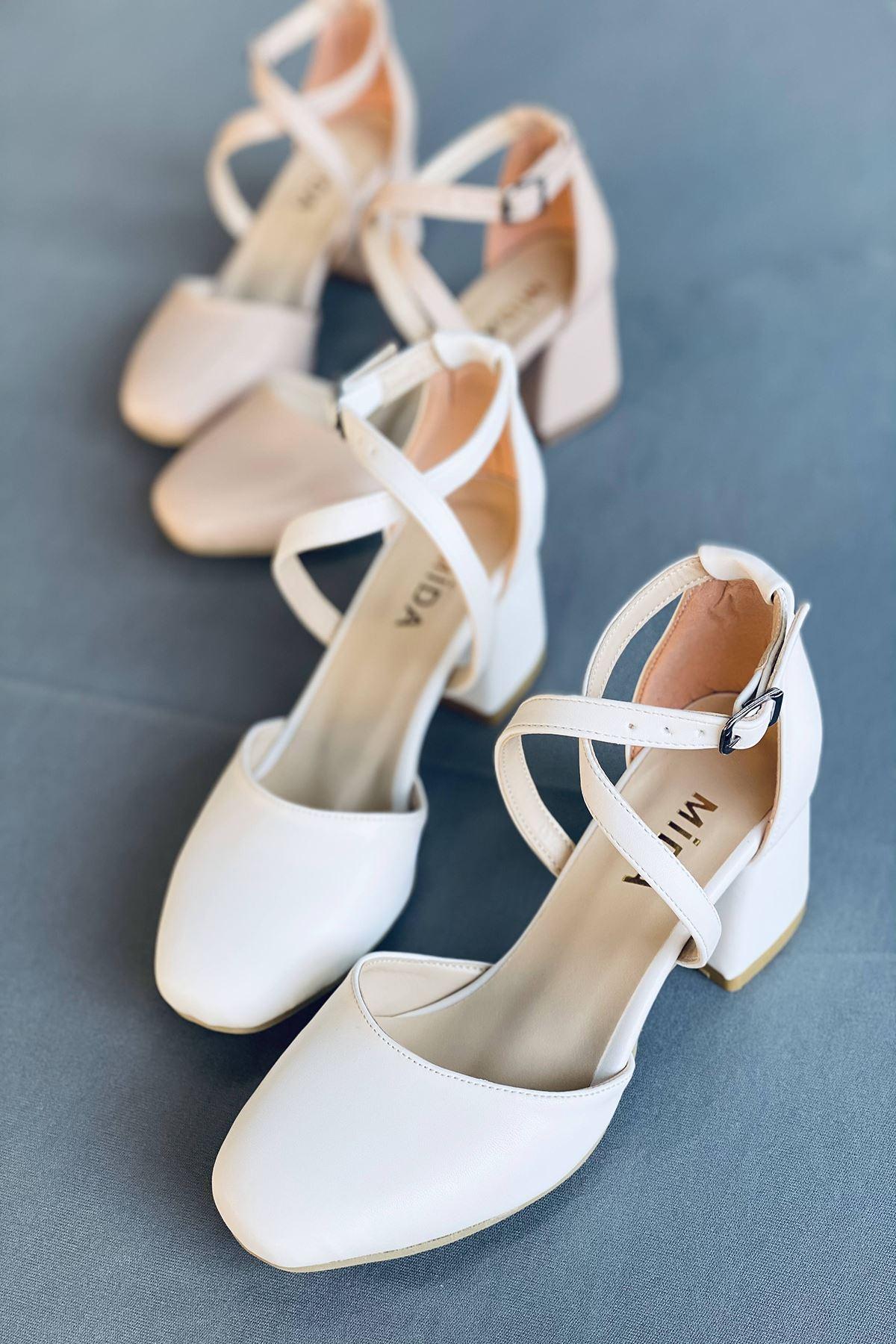 Y191 Beyaz Deri Topuklu Ayakkabı