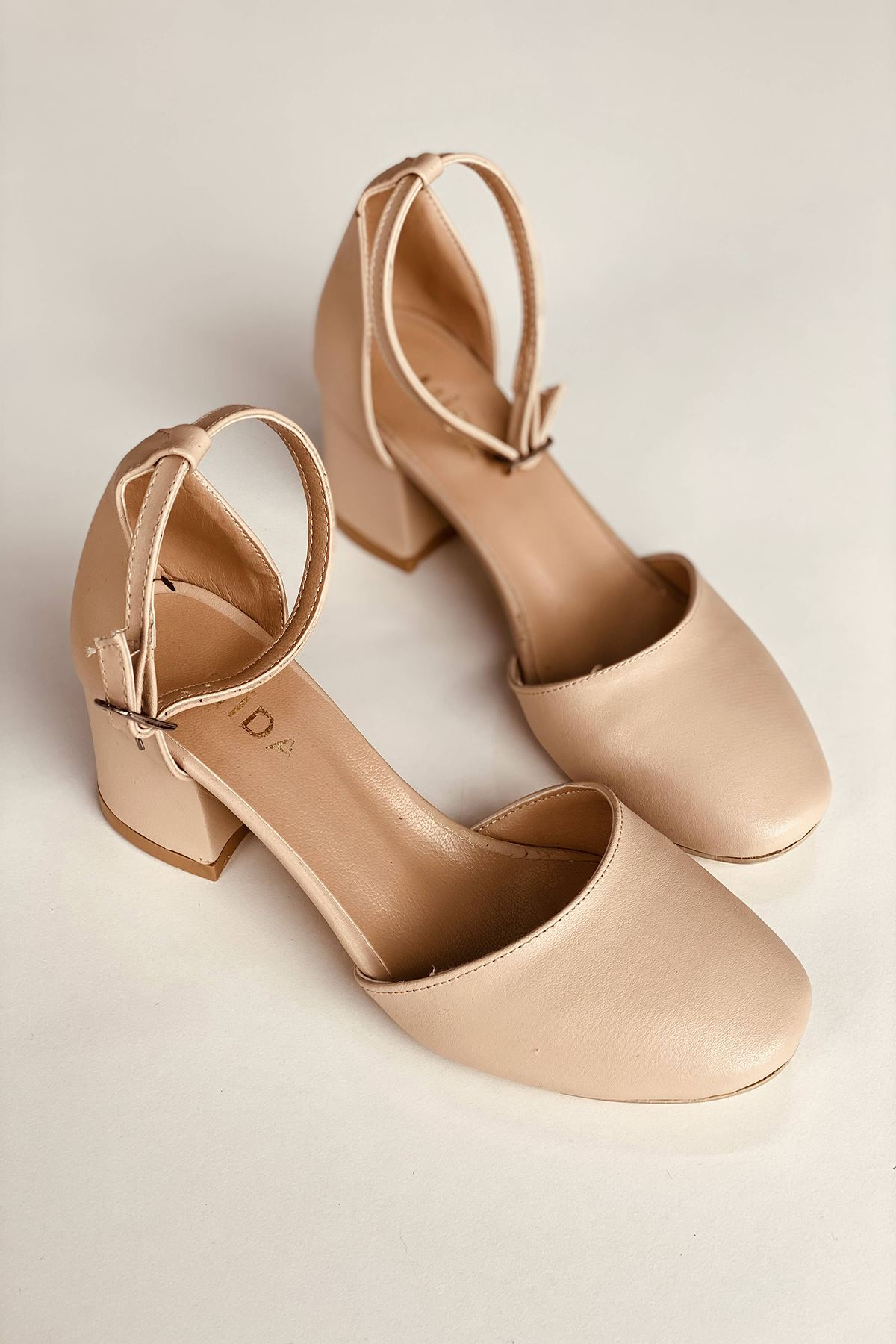 Y202 Pudra Deri Topuklu Ayakkabı