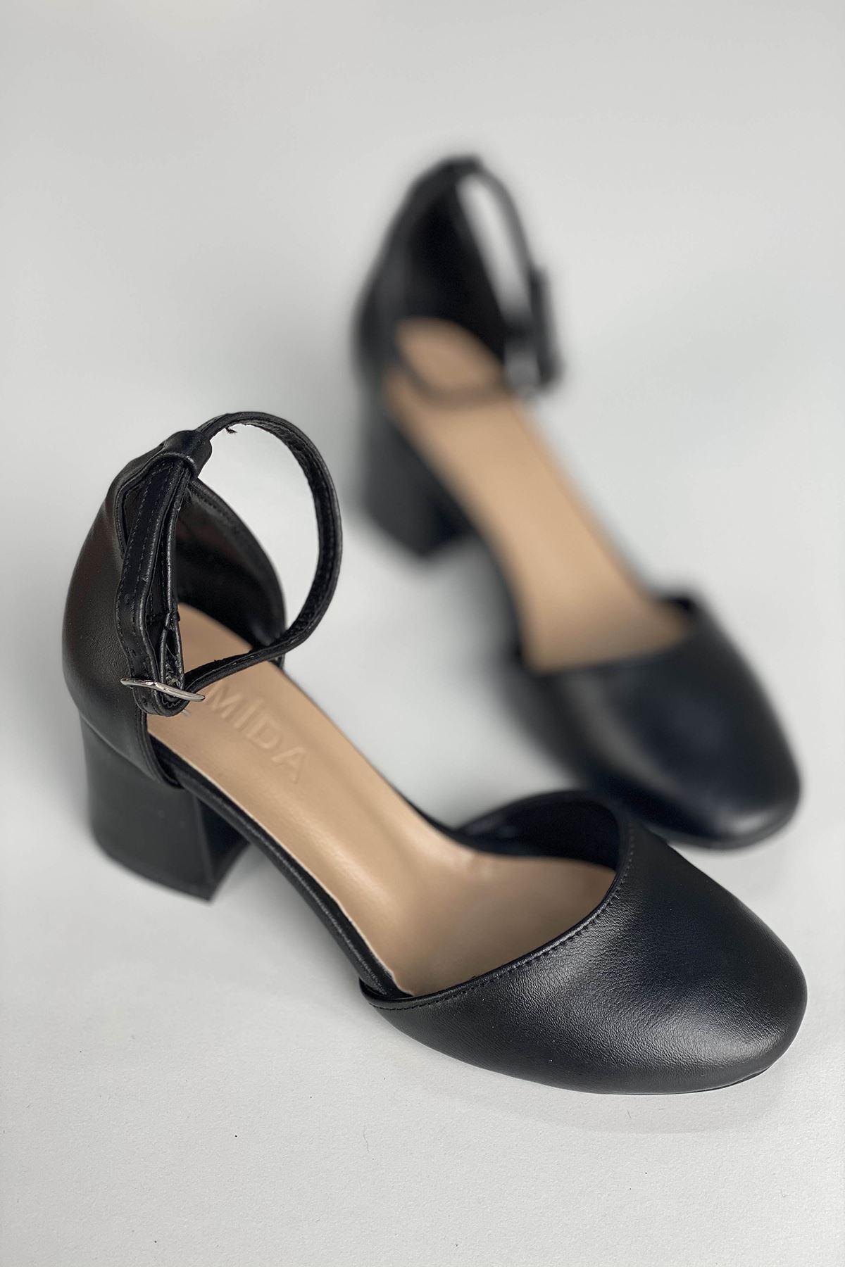 Y202 Siyah Deri Topuklu Ayakkabı