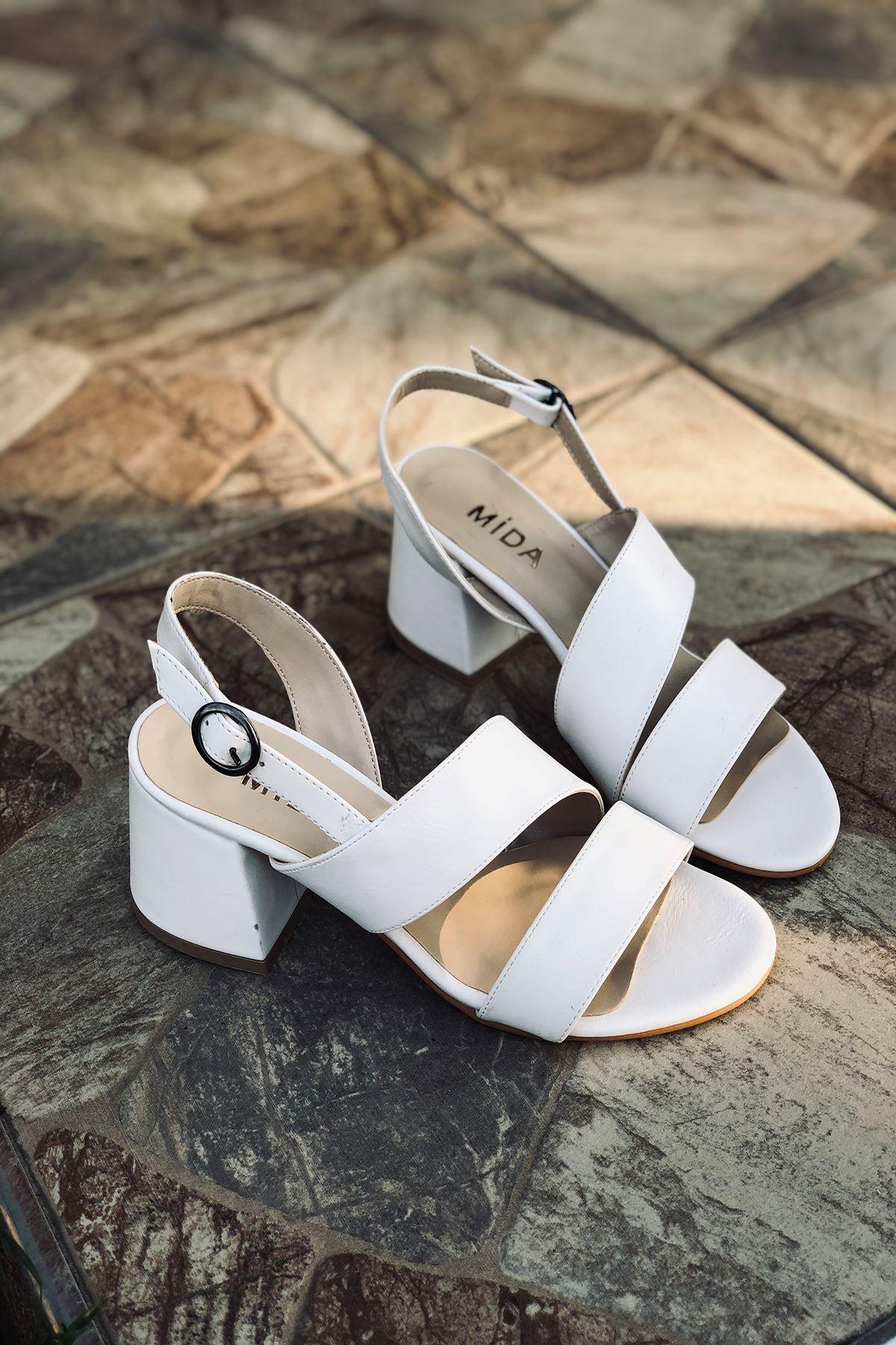 Y502 Beyaz Deri Topuklu Ayakkabı