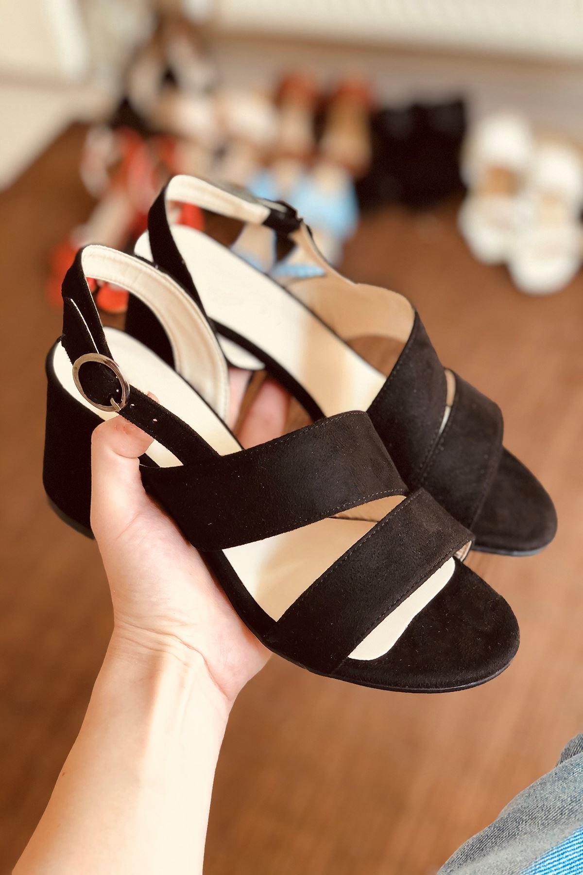 Y502 Siyah Süet Topuklu Ayakkabı