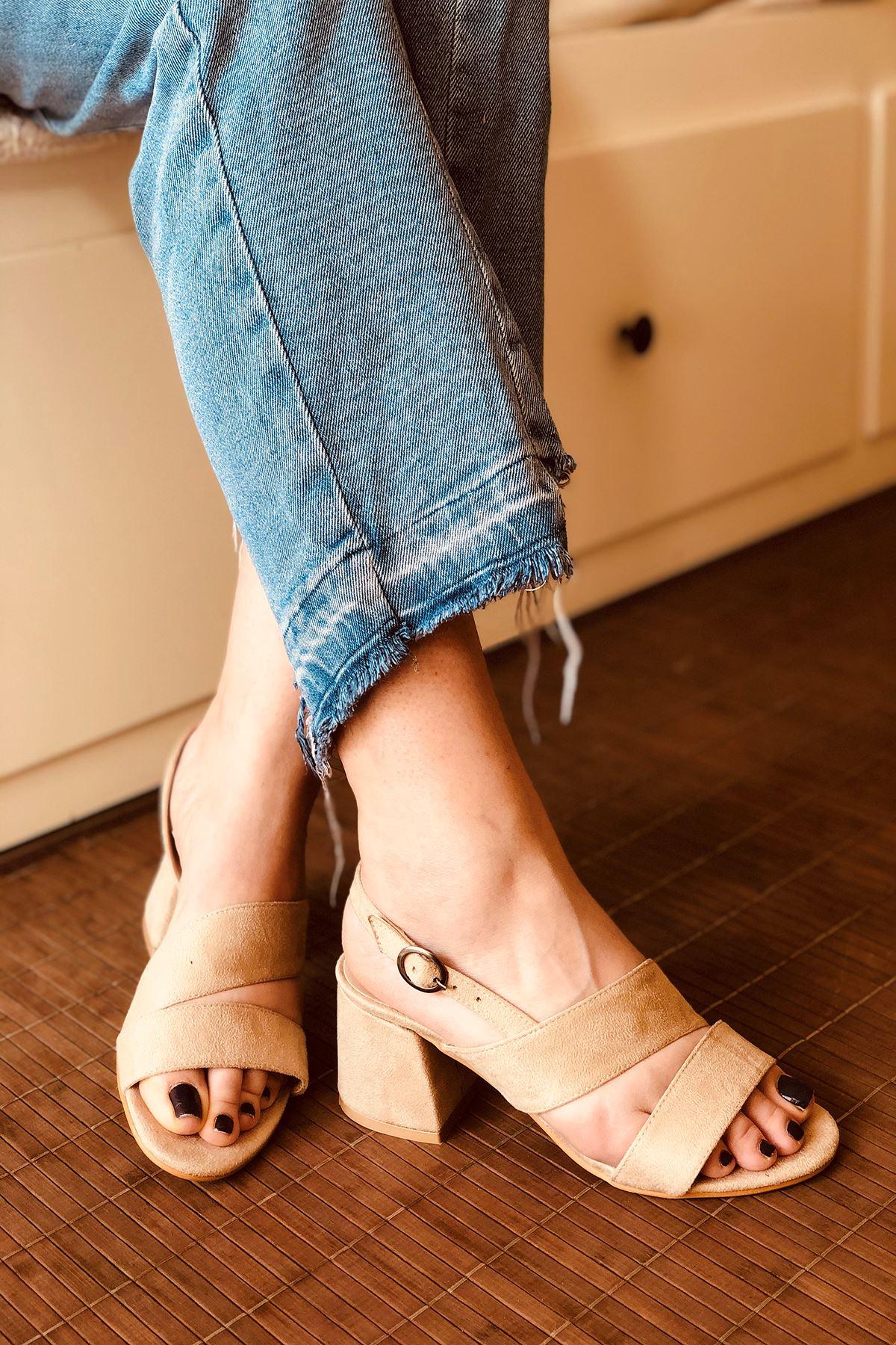 Y502 Ten Süet Topuklu Ayakkabı