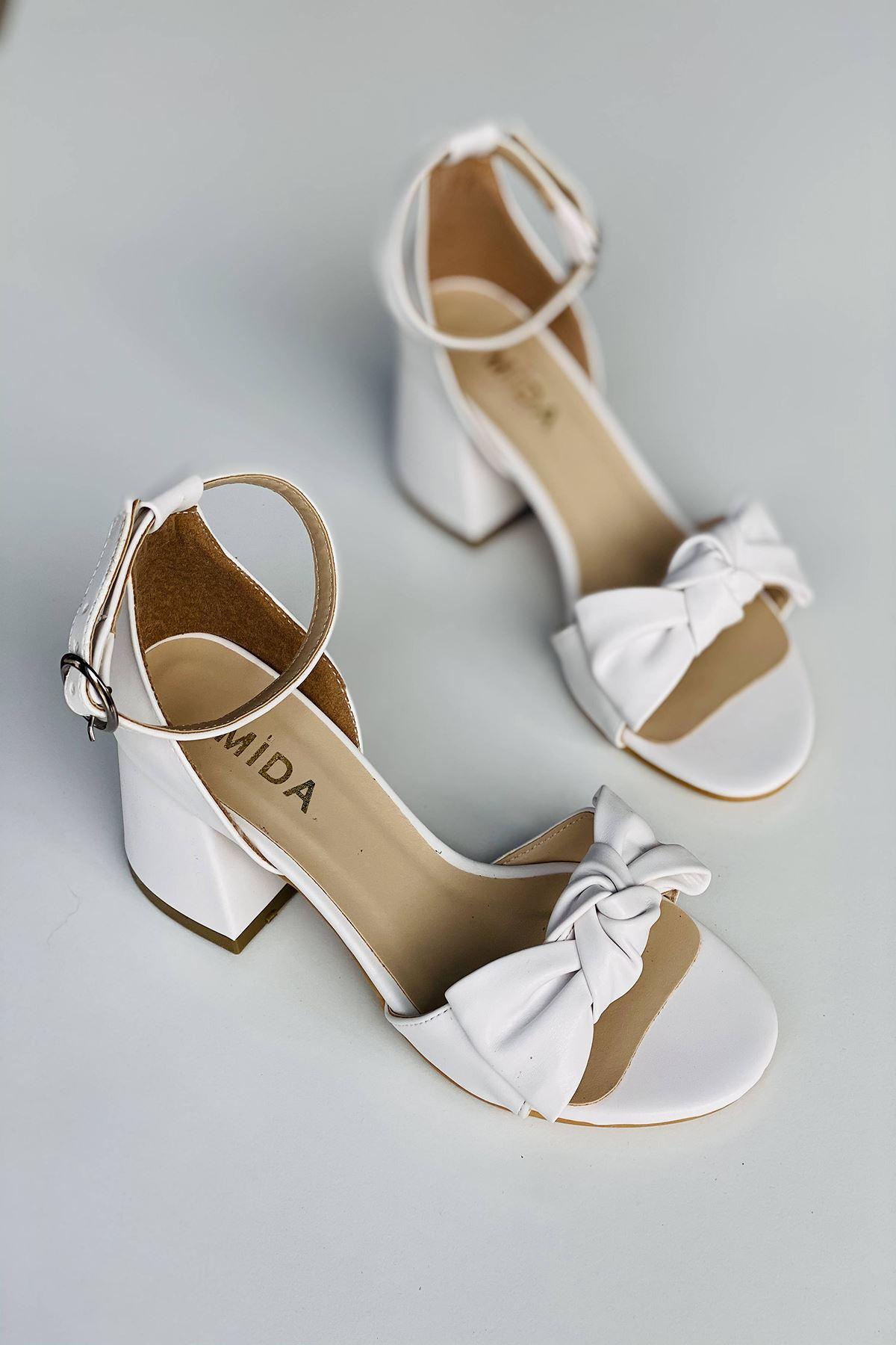 Y553 Beyaz Deri Topuklu Ayakkabı