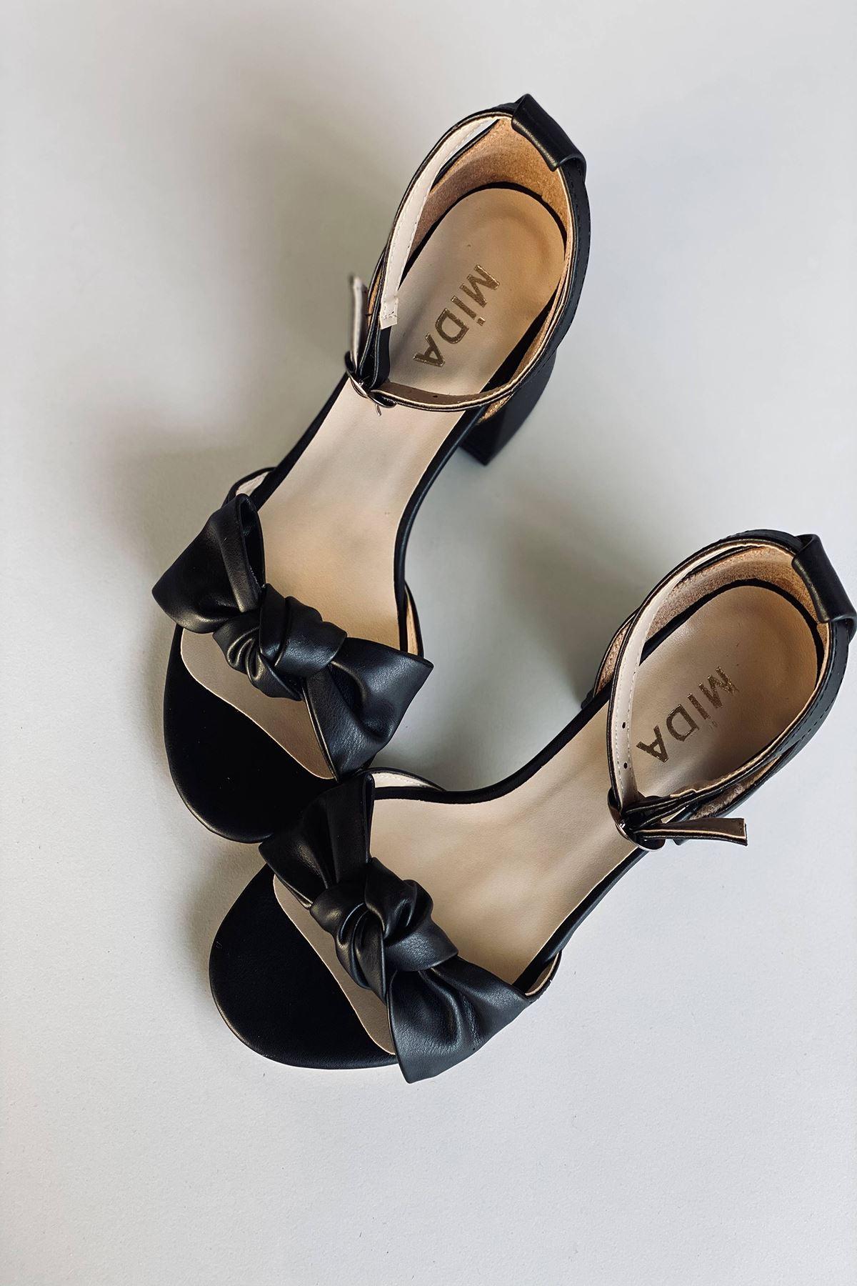 Y553 Siyah Deri Topuklu Ayakkabı