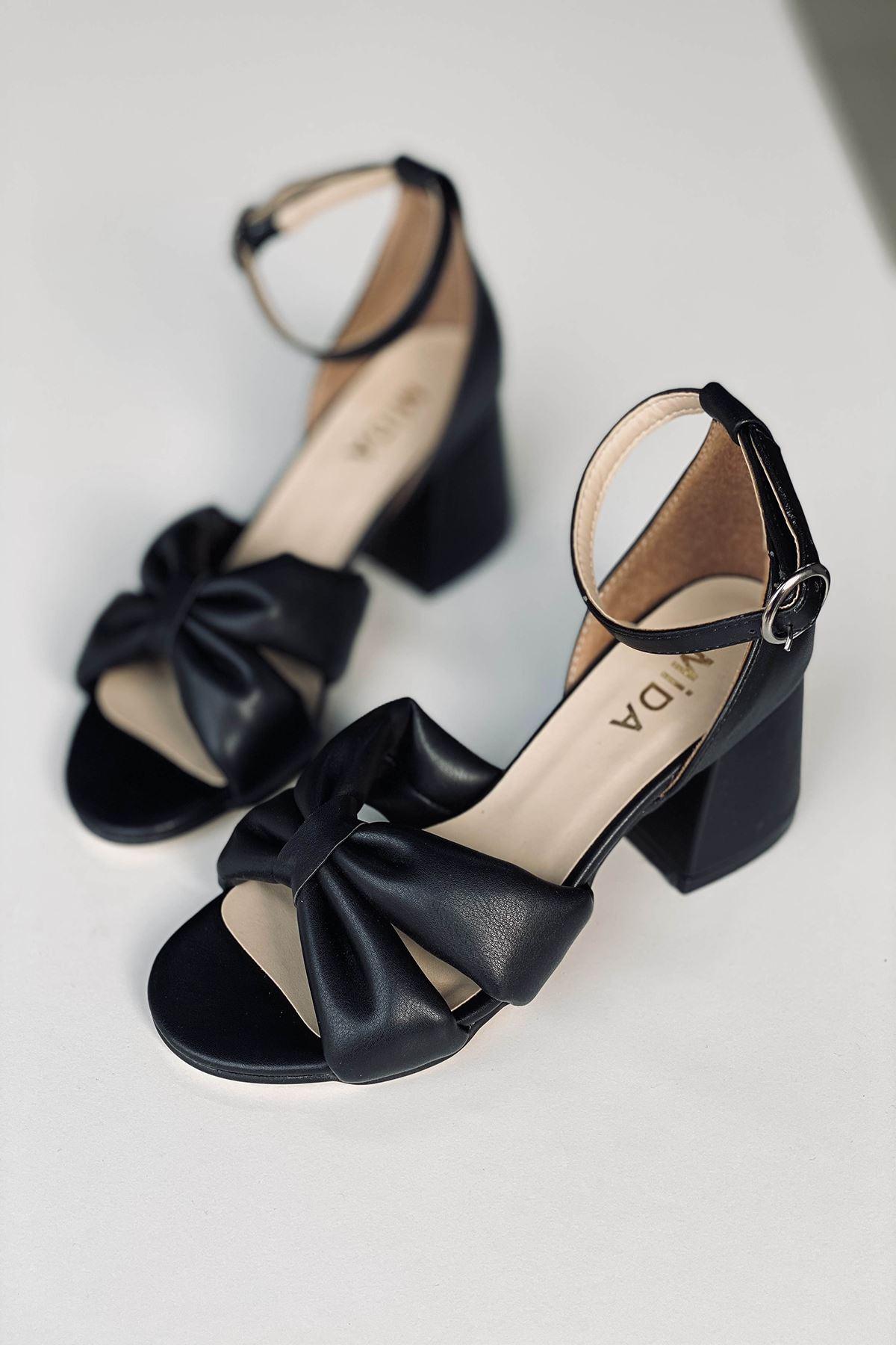 Y554 Siyah Deri Topuklu Ayakkabı