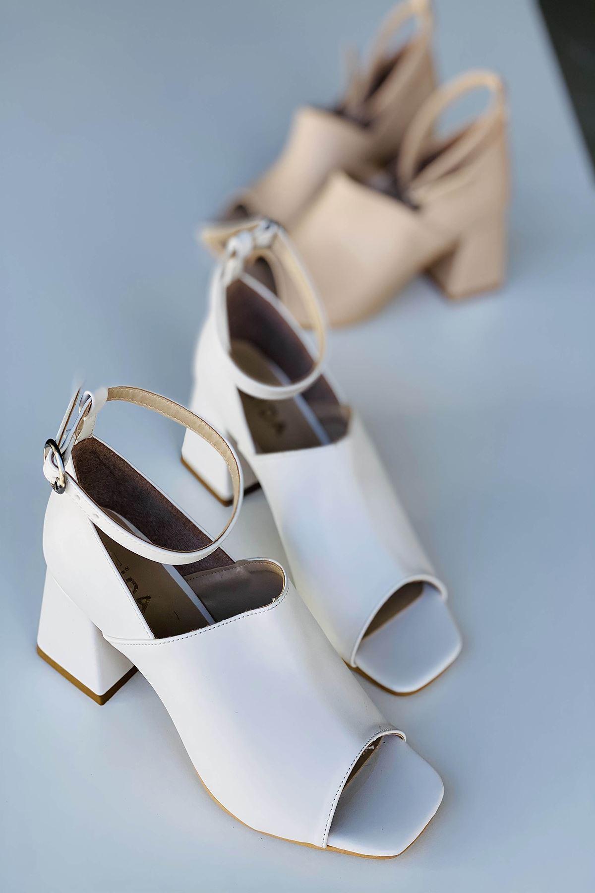 Y706 Beyaz Deri Topuklu Ayakkabı