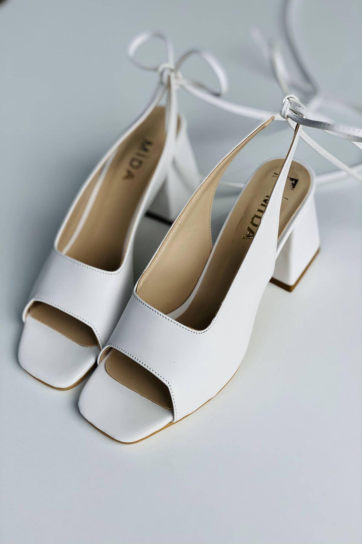Y710 Beyaz Deri Topuklu Ayakkabı