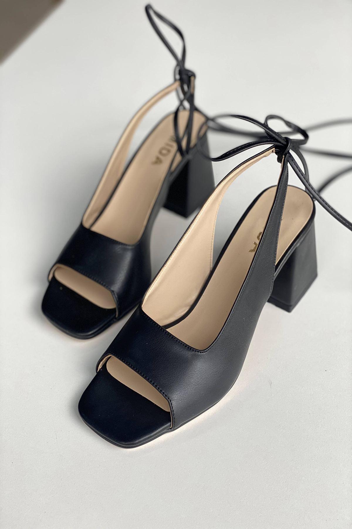 Y710 Siyah Deri Topuklu Ayakkabı