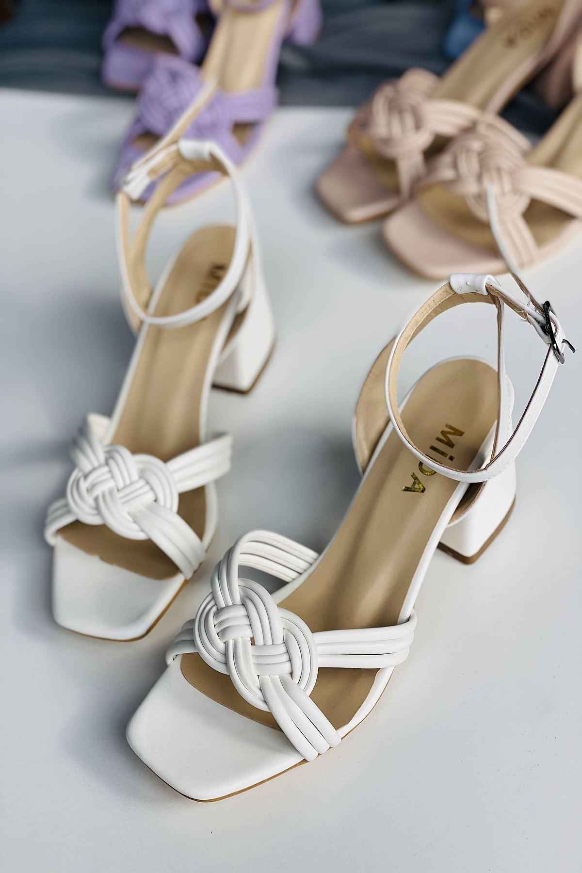 Y716 Beyaz Deri Topuklu Ayakkabı