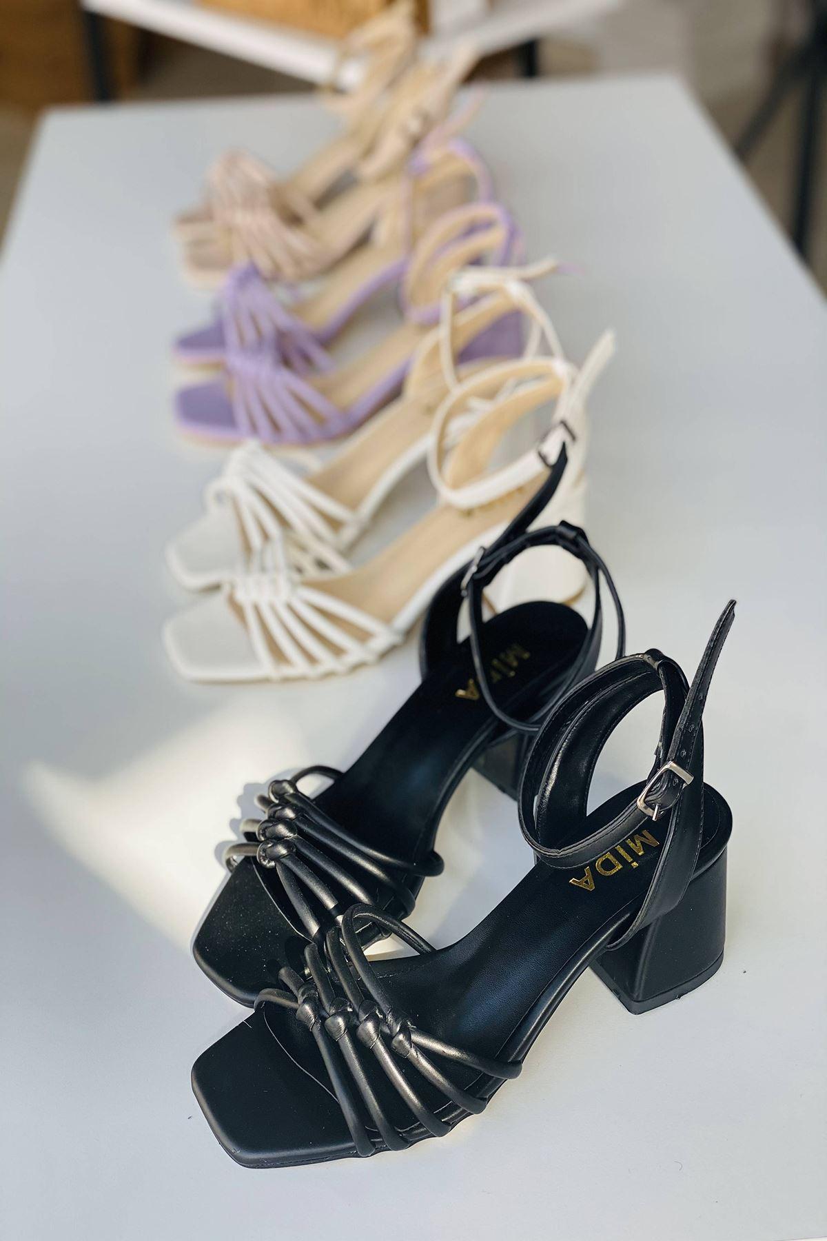 Y802 Siyah Deri Topuklu Ayakkabı