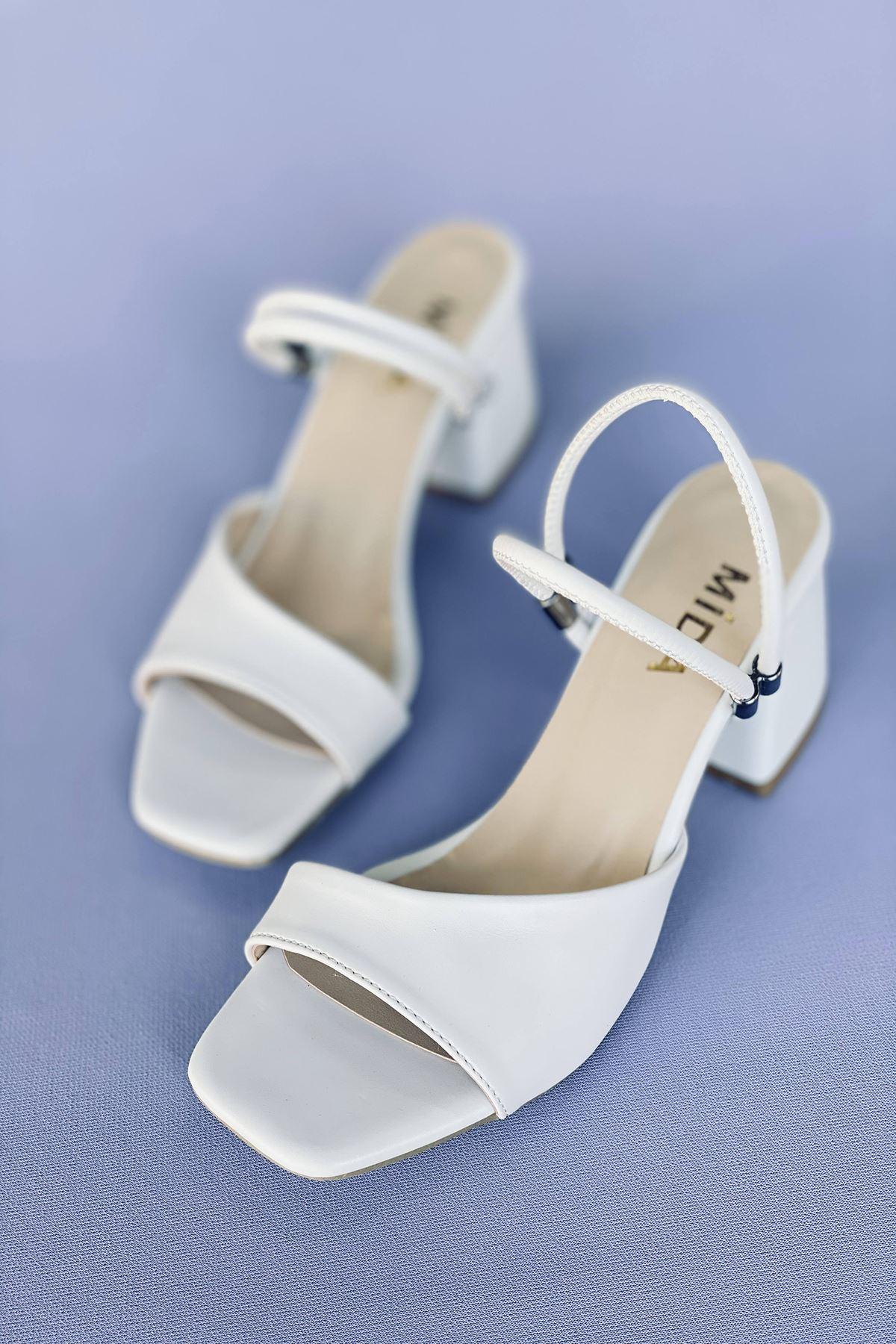 Y911 Beyaz Deri Topuklu Ayakkabı