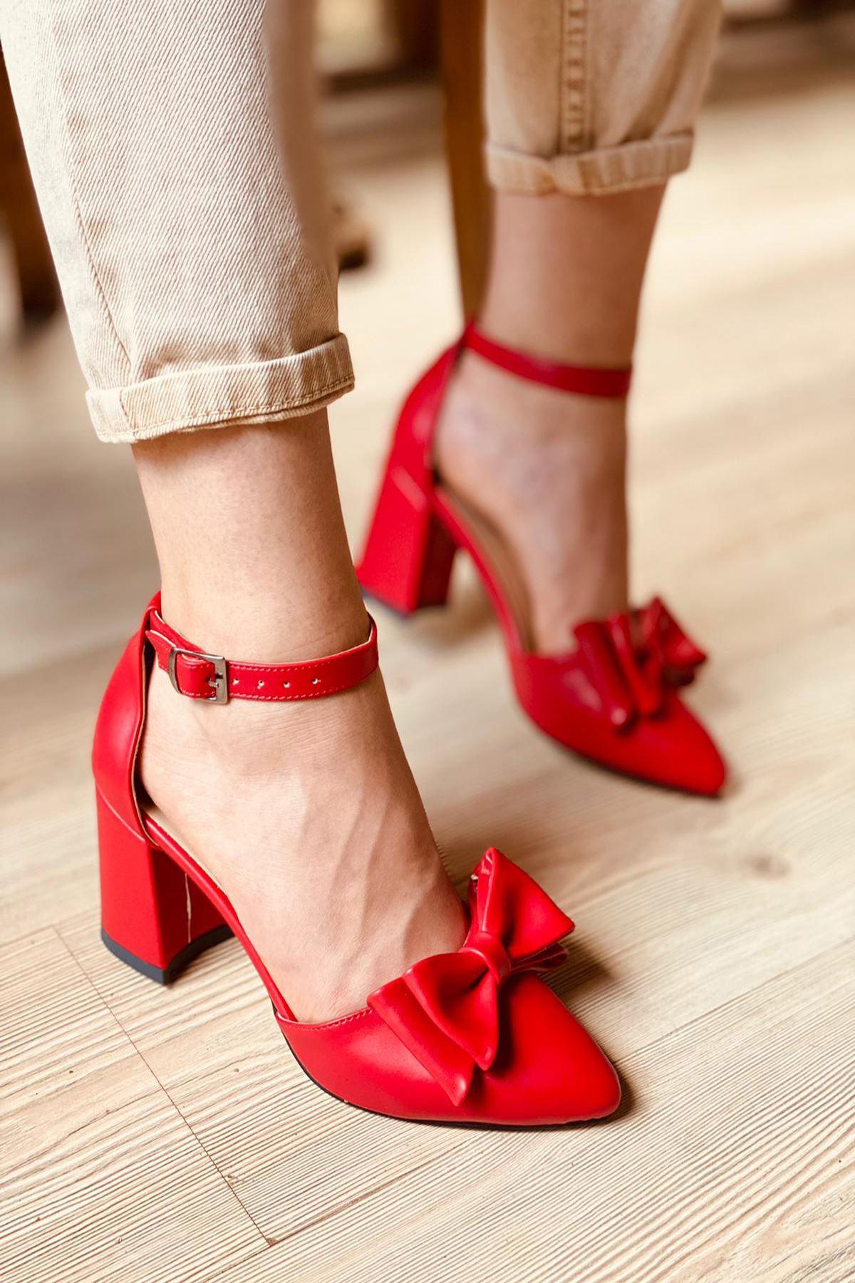 Y107 Kırımızı Deri Topuklu Ayakkabı