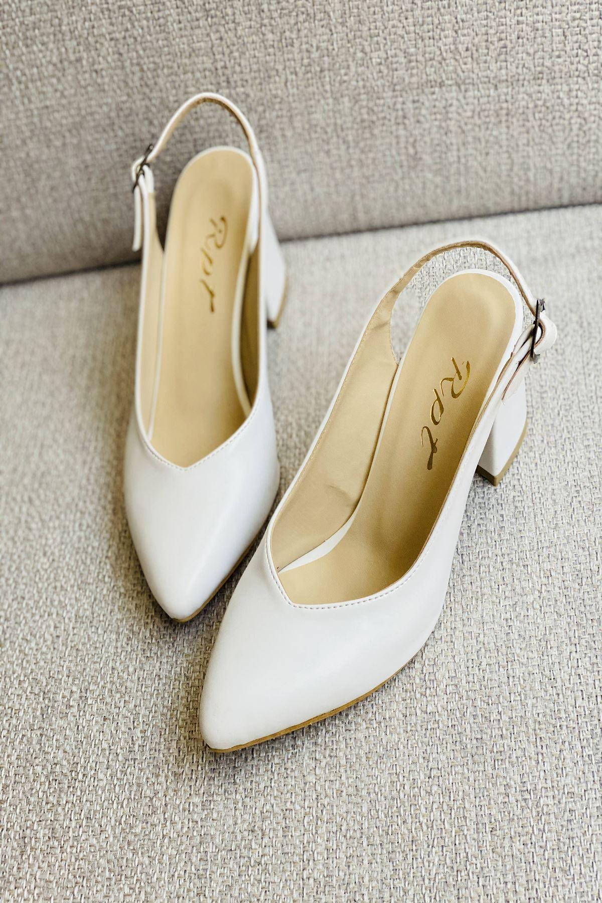 Y101 Beyaz Deri Topuklu Ayakkabı