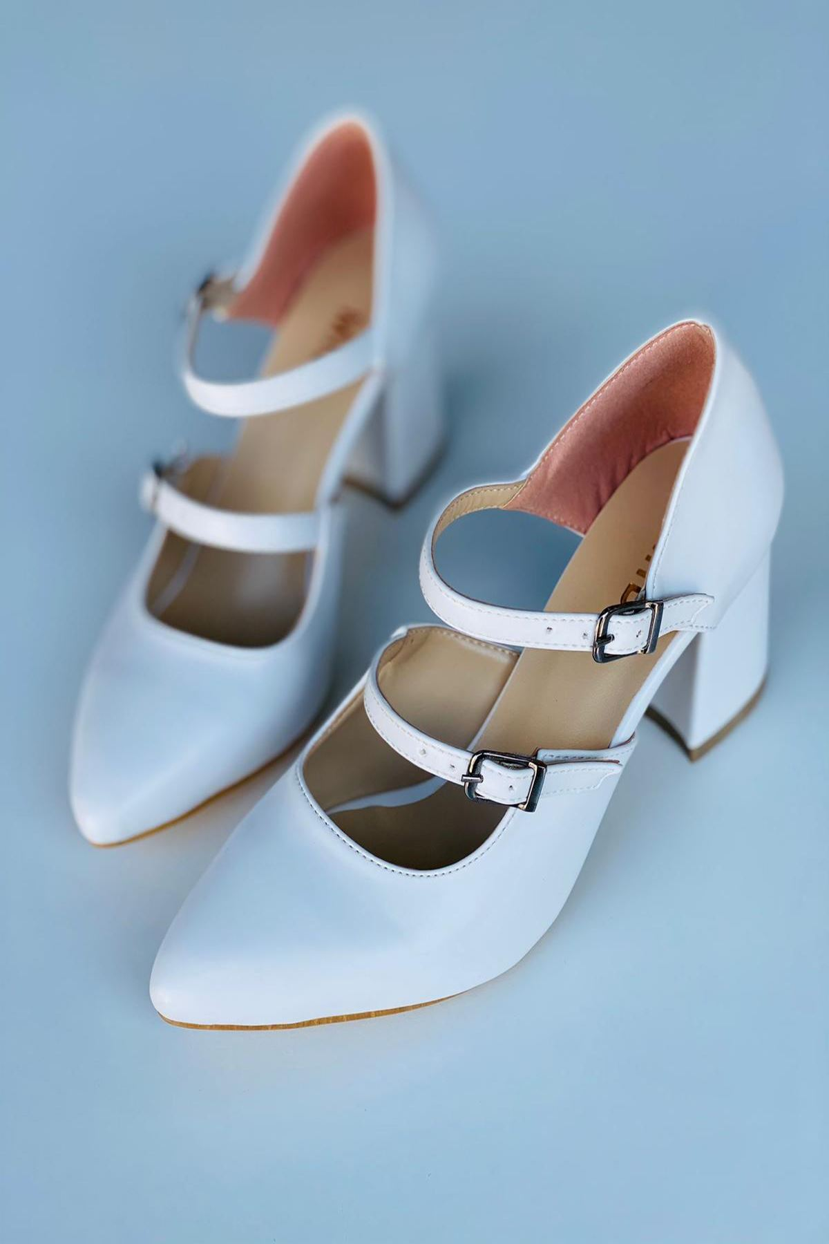 Y111 Beyaz Deri Topuklu Ayakkabı