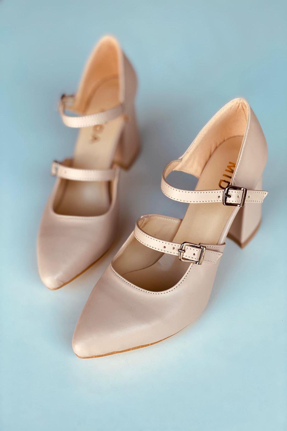 Y111 Ten Deri Topuklu Ayakkabı
