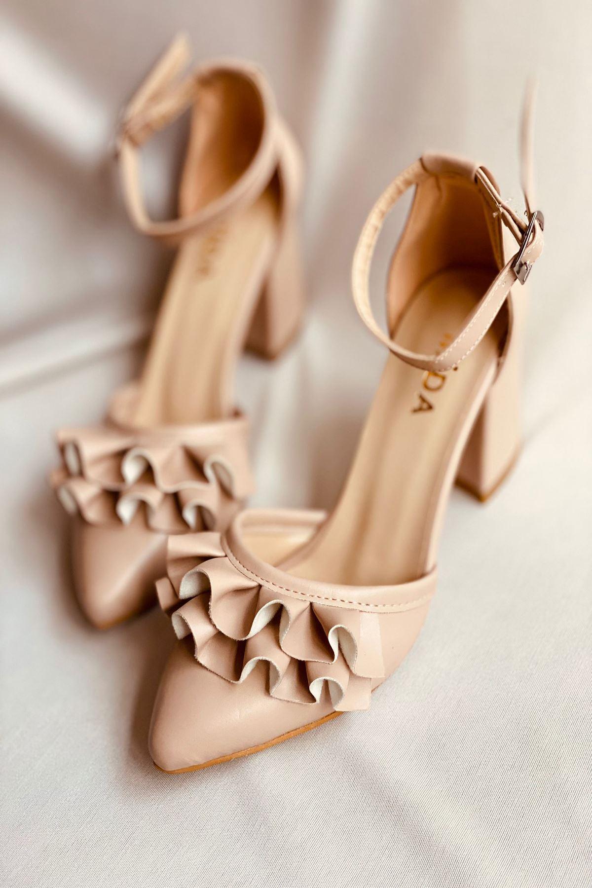 Y122 Ten Deri Topuklu Ayakkabı