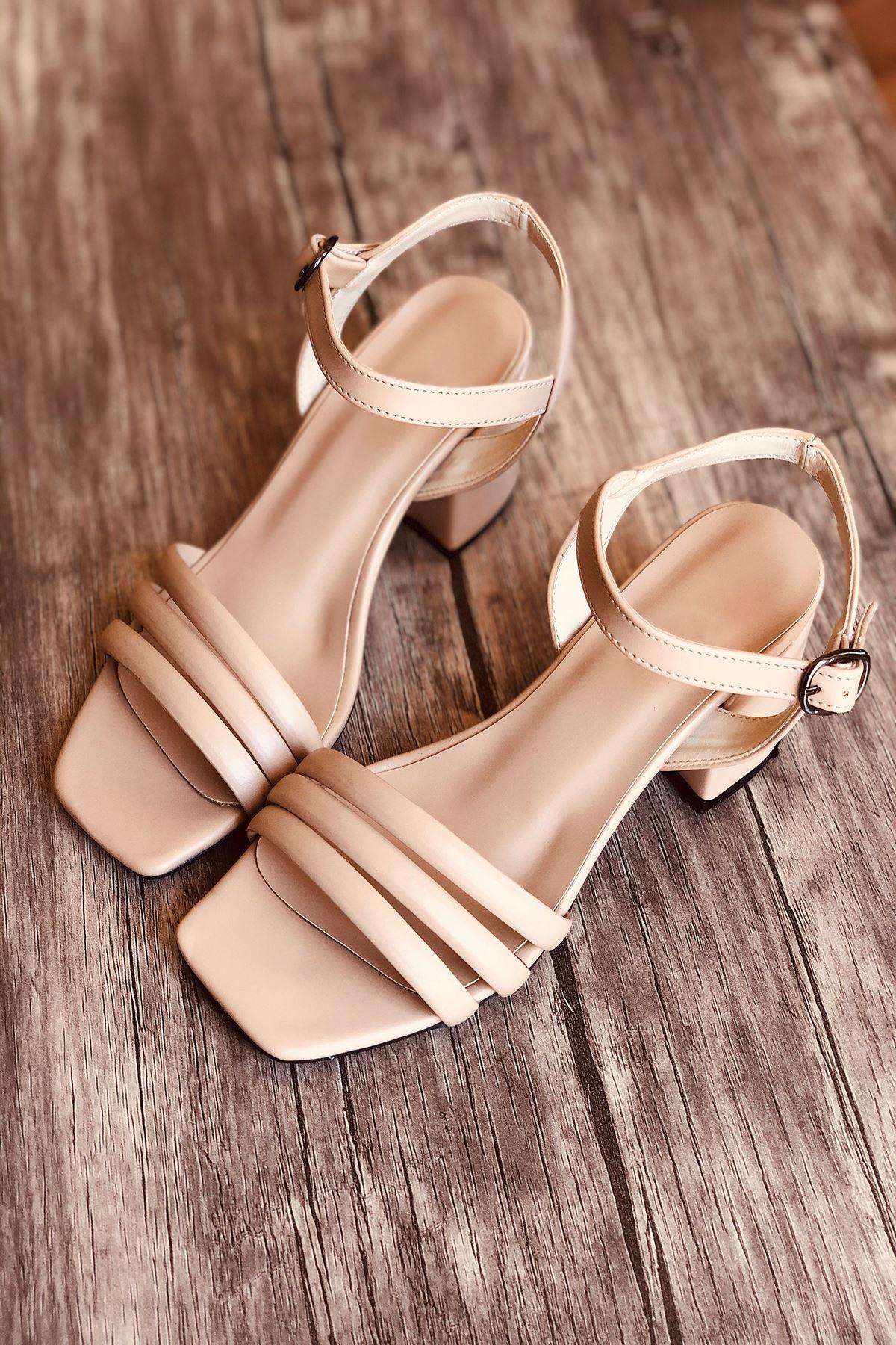 Y222 Ten Deri Topuklu Ayakkabı