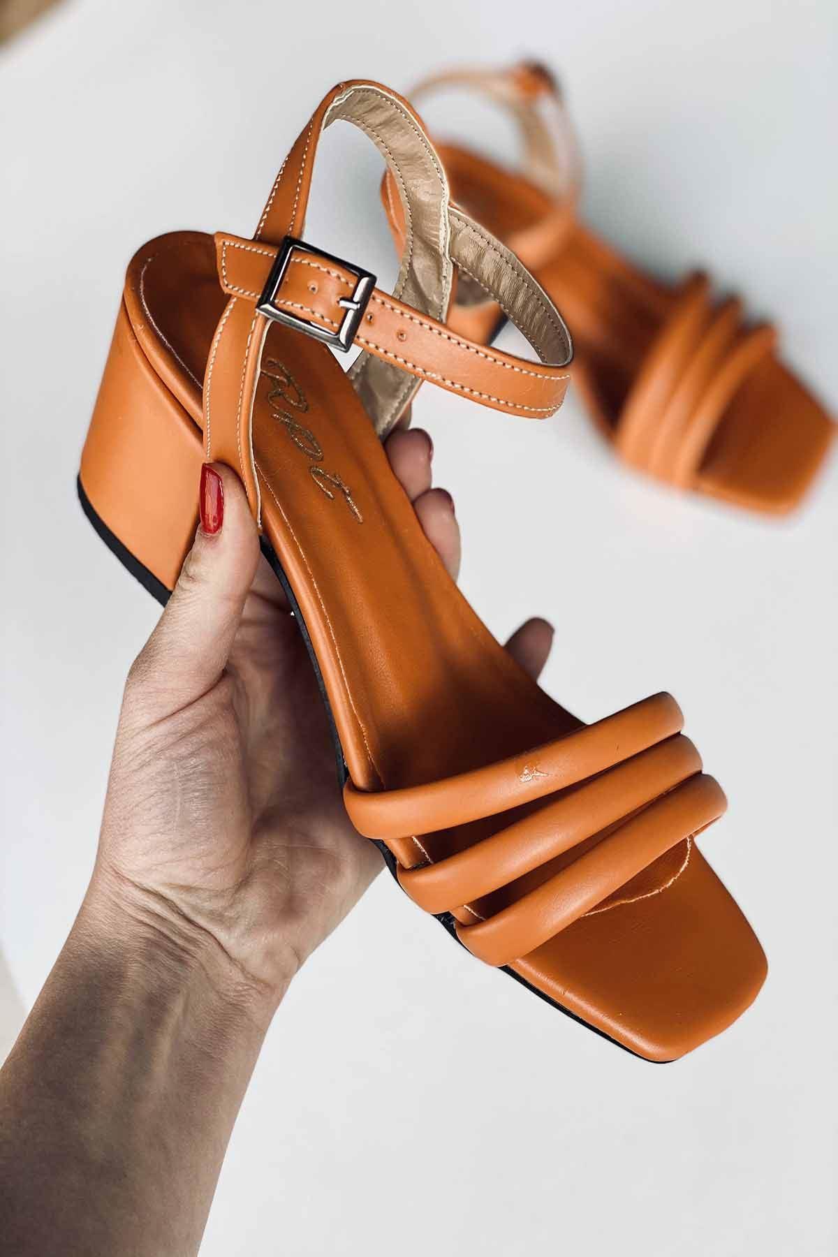 Y222 Turuncu Deri Topuklu Ayakkabı