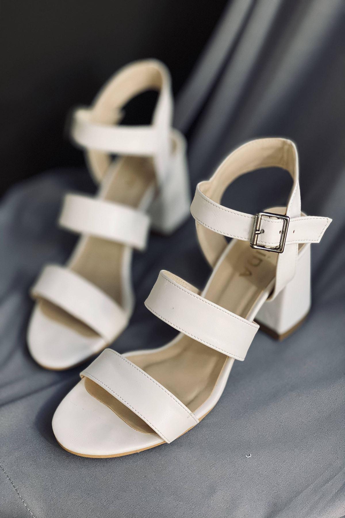 Y612 Beyaz Deri Topuklu Ayakkabı
