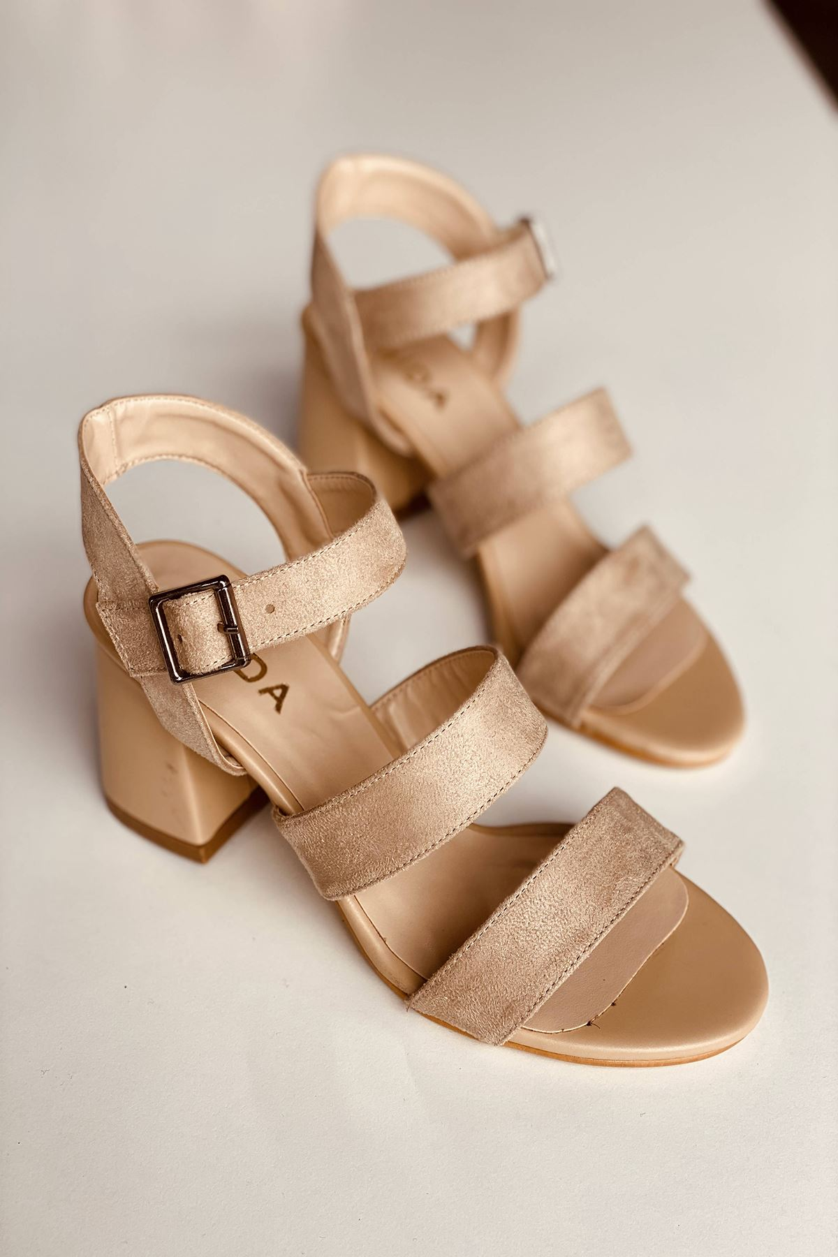 Y612 Ten Süet Topuklu Ayakkabı