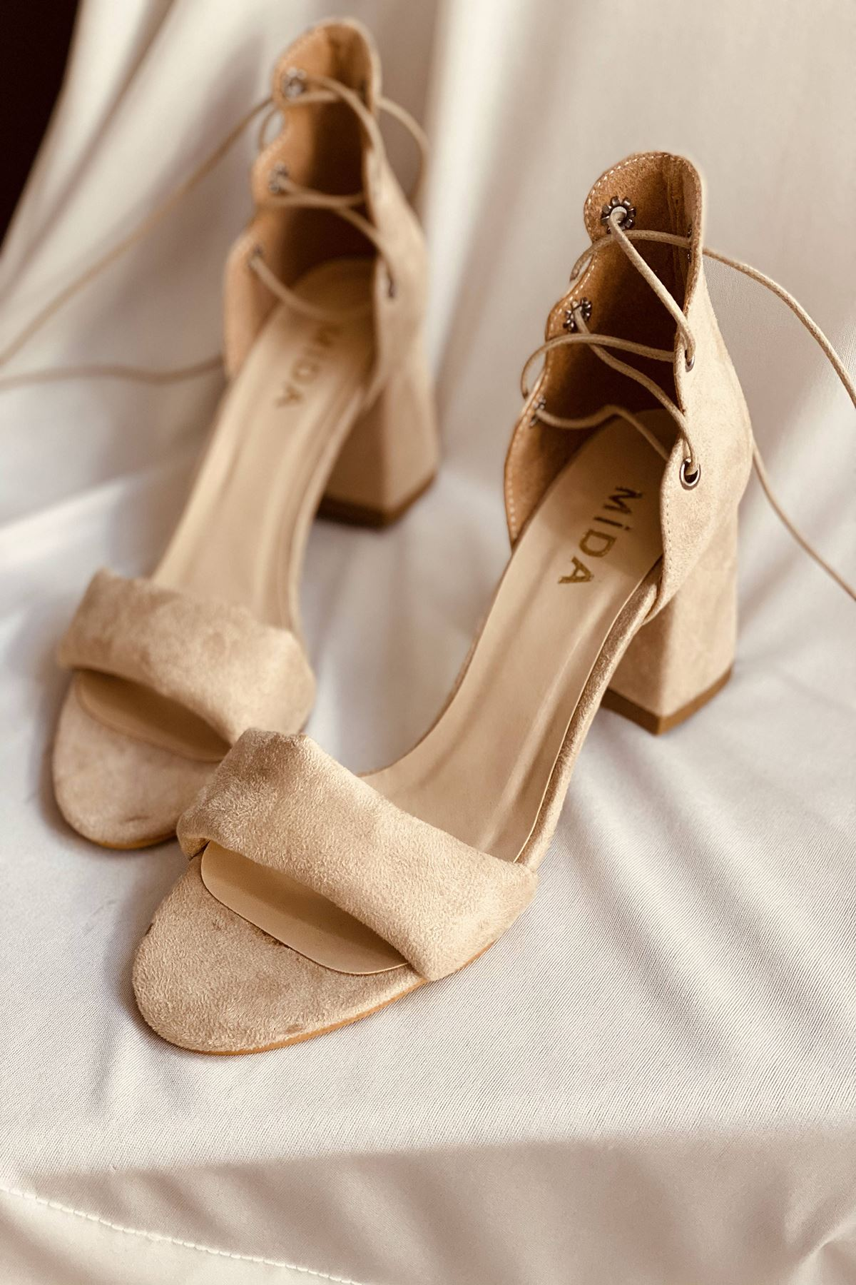 Y614 Ten Süet Topuklu Ayakkabı