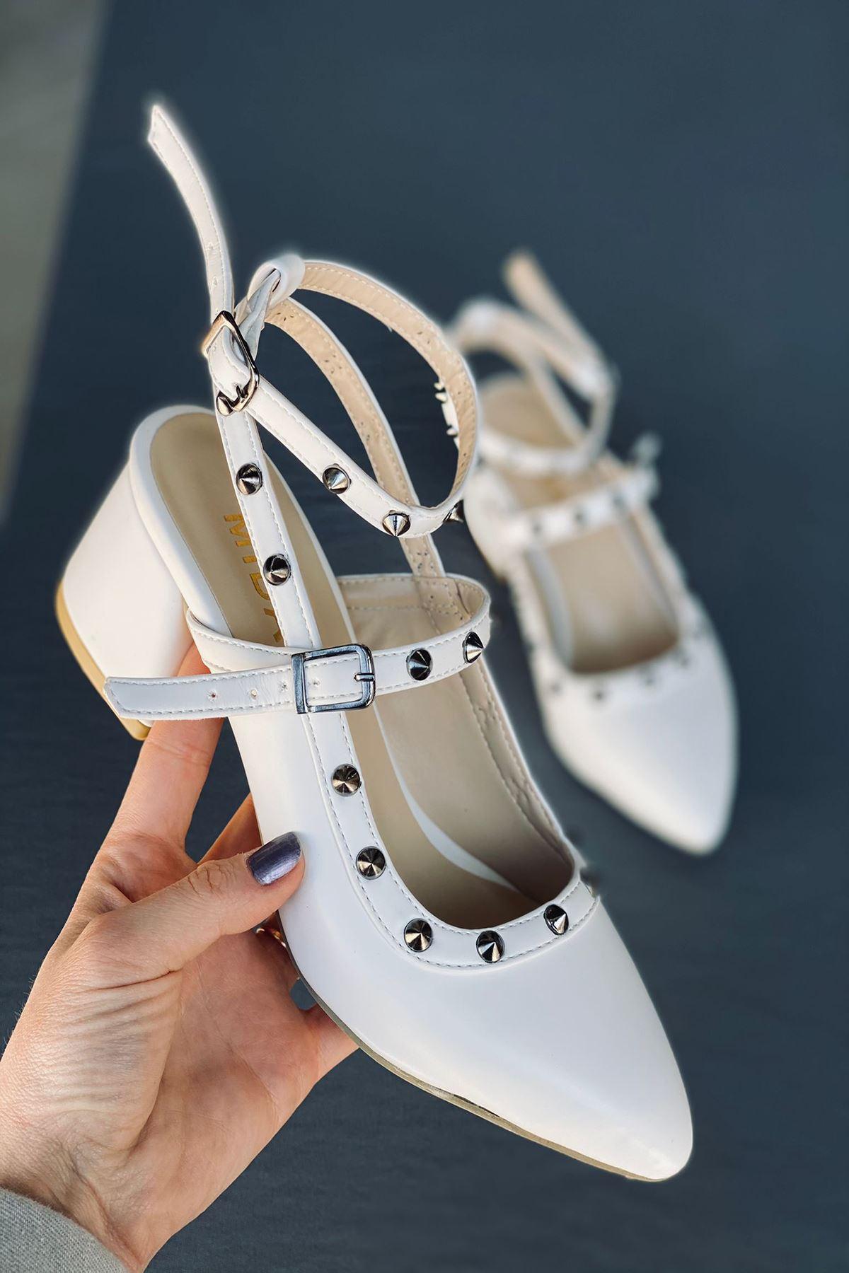 Y703 Beyaz Deri Topuklu Ayakkabı