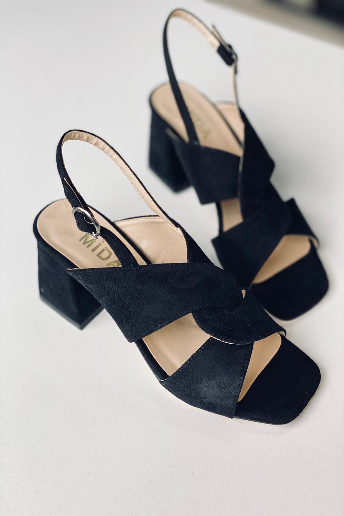 Y702 Siyah Süet Topuklu Ayakkabı