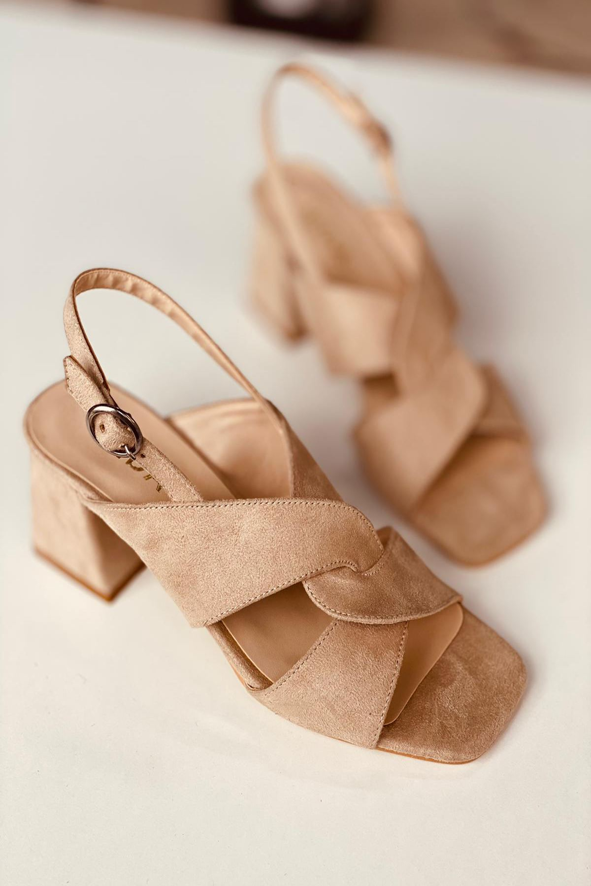 Y702 Pudra Süet Topuklu Ayakkabı