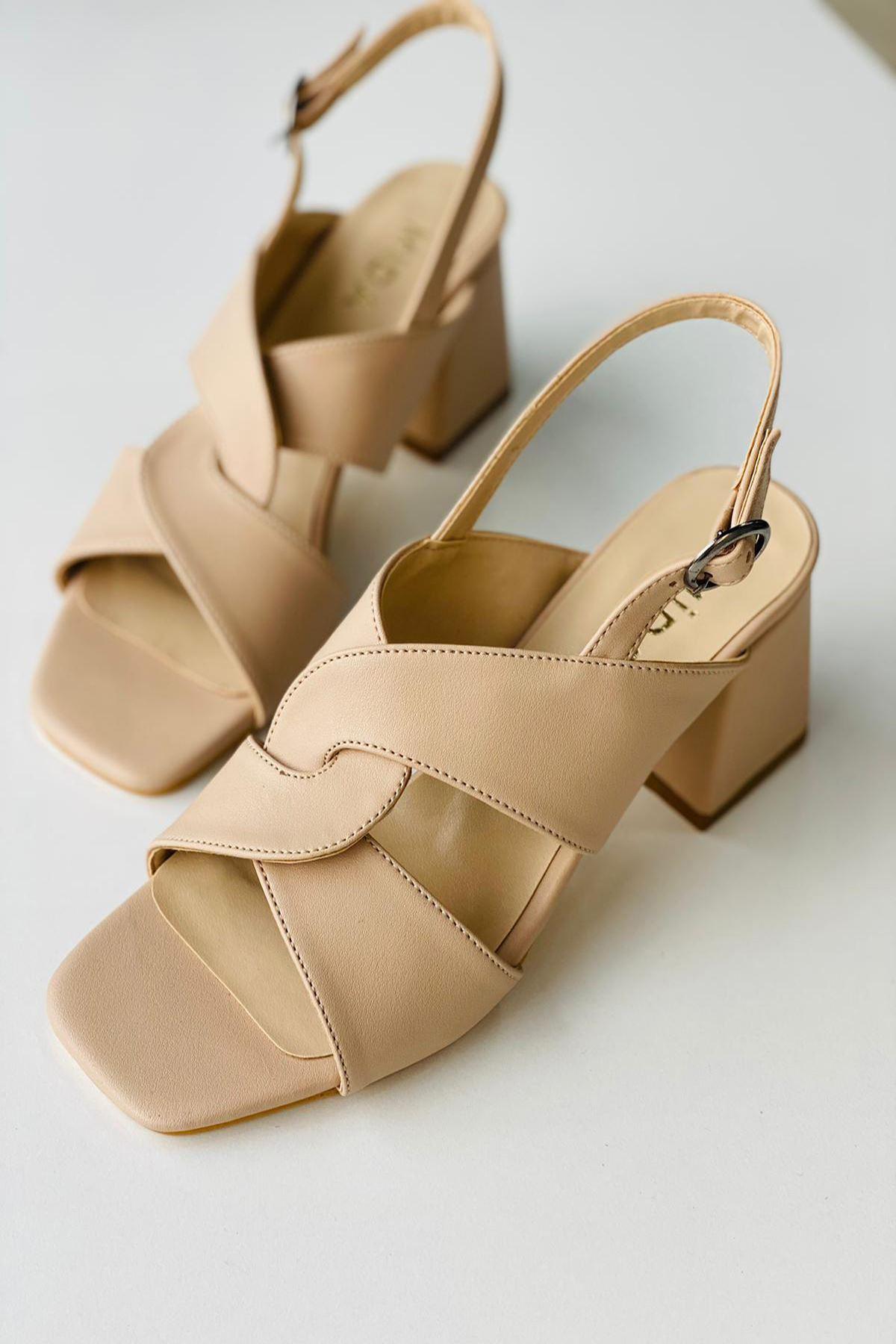 Y702 Ten Deri Topuklu Ayakkabı