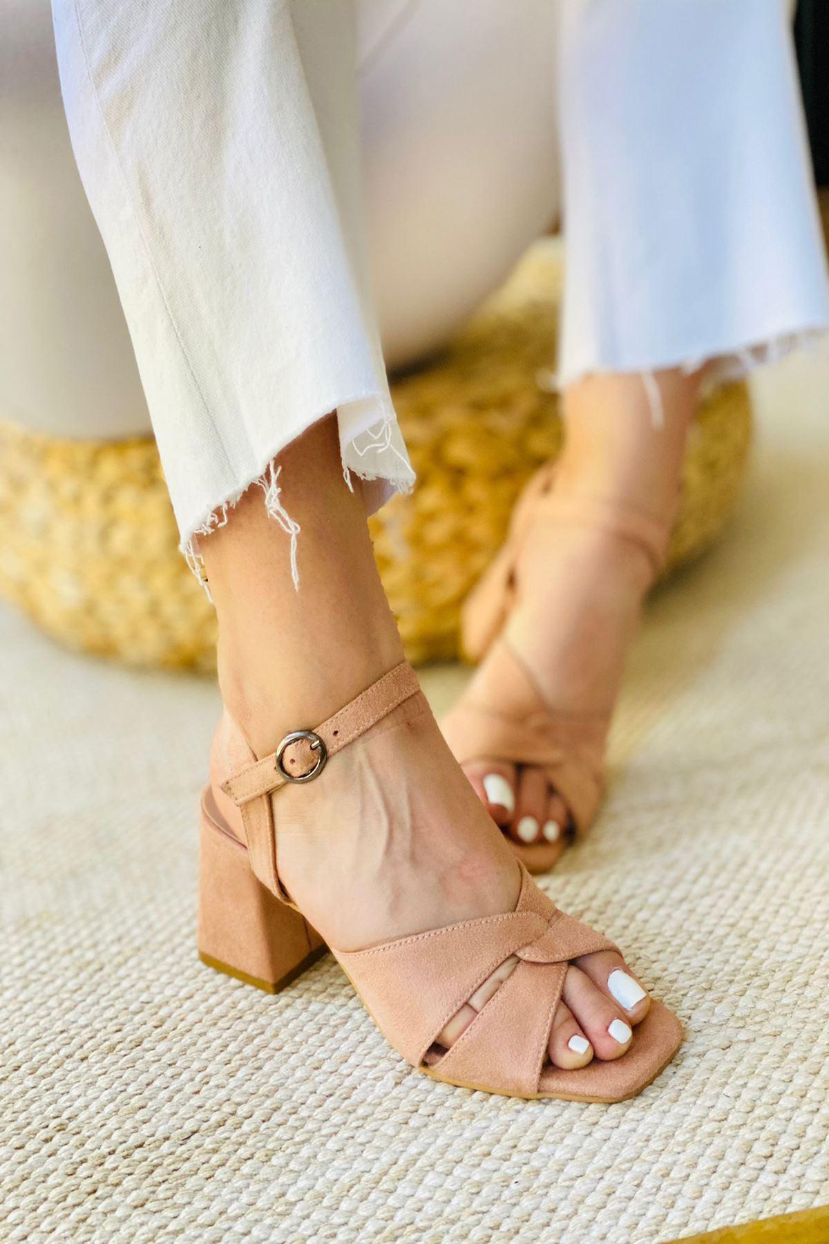Y711 Pudra Süet Topuklu Ayakkabı