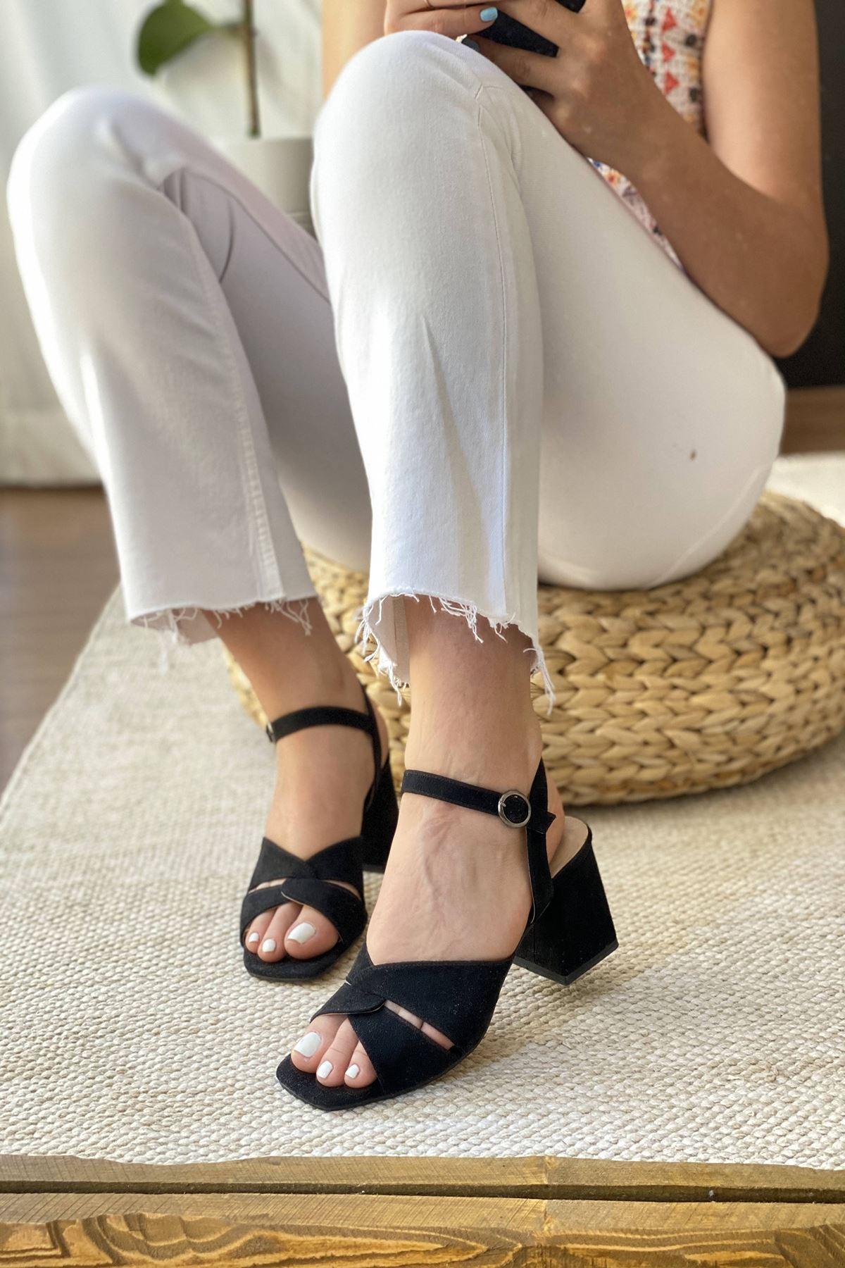 Y711 Siyah Süet Topuklu Ayakkabı