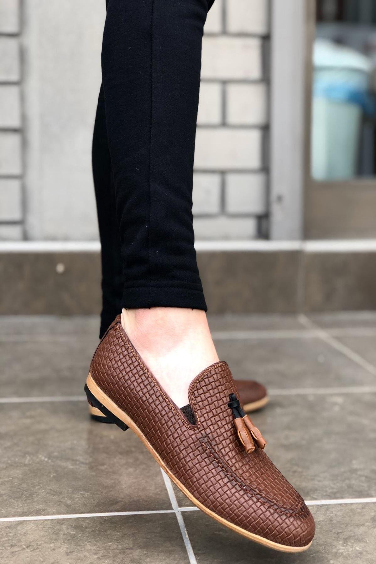 B009 Taba Deri Crock Püsküllü Klasik Ayakkabı