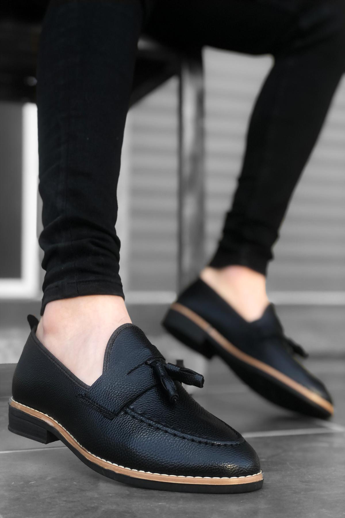 B009 Siyah Deri Püsküllü Klasik Ayakkabı