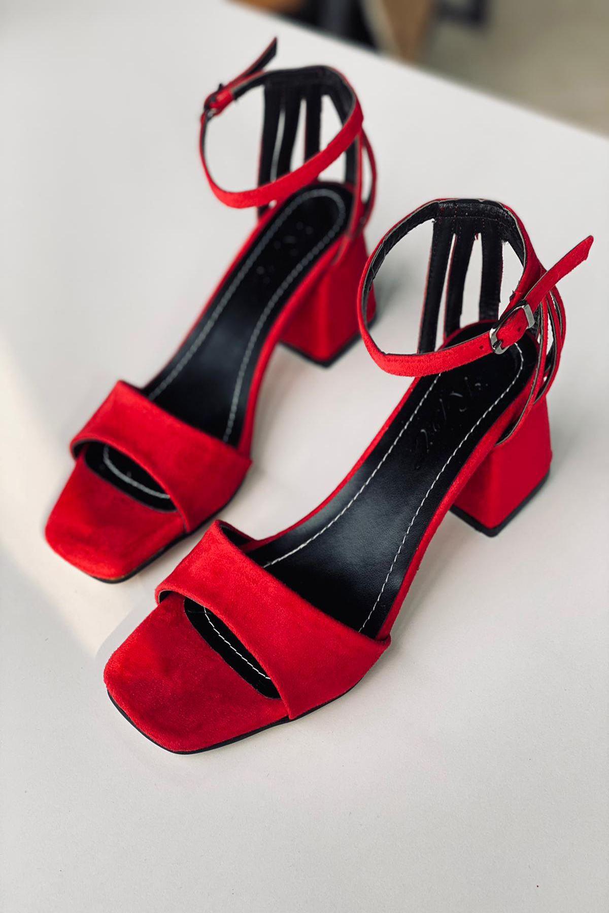 Y901 Kırmızı Süet Topuklu Ayakkabı