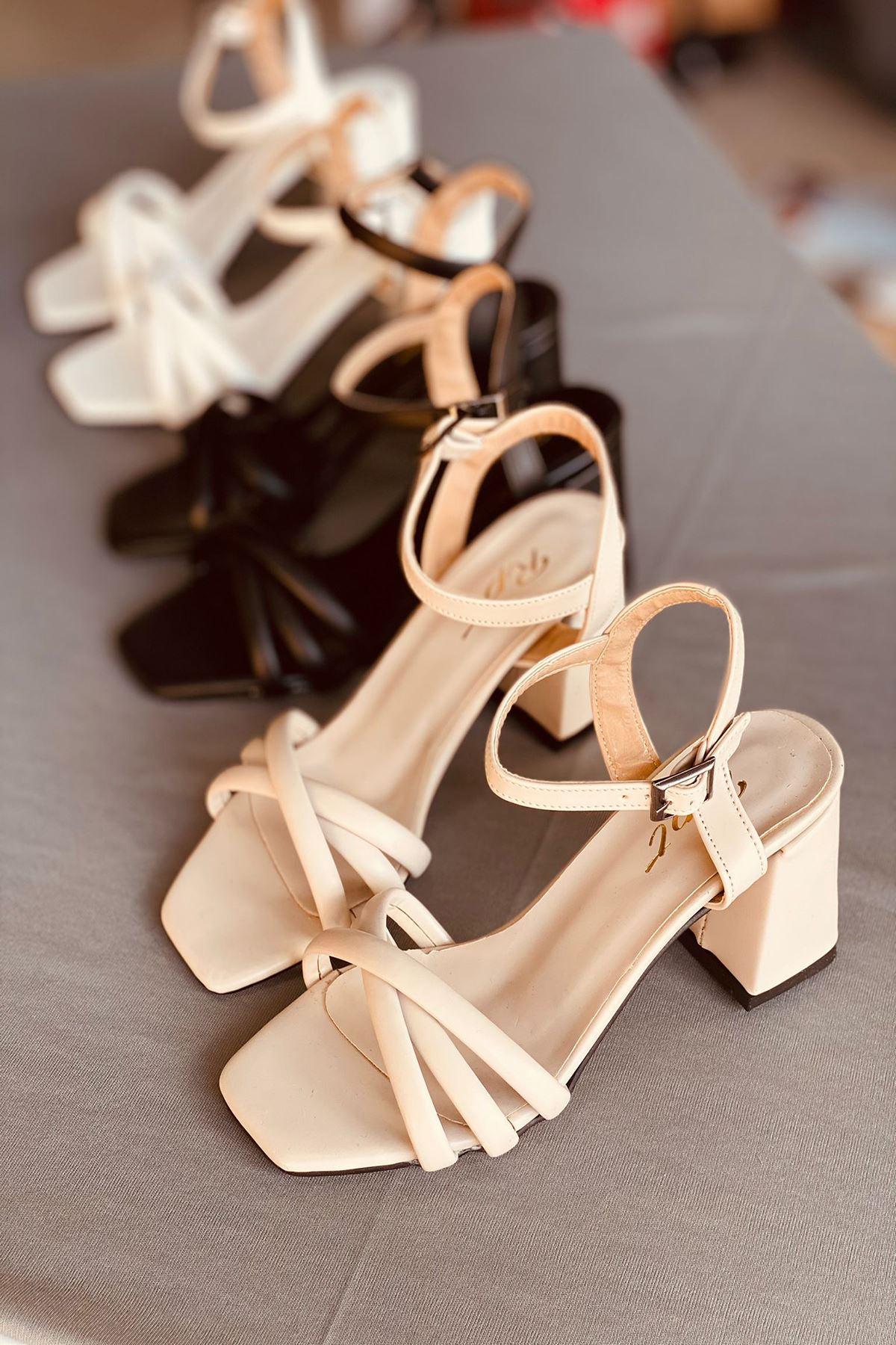 Y930 Ten Deri Topuklu Ayakkabı