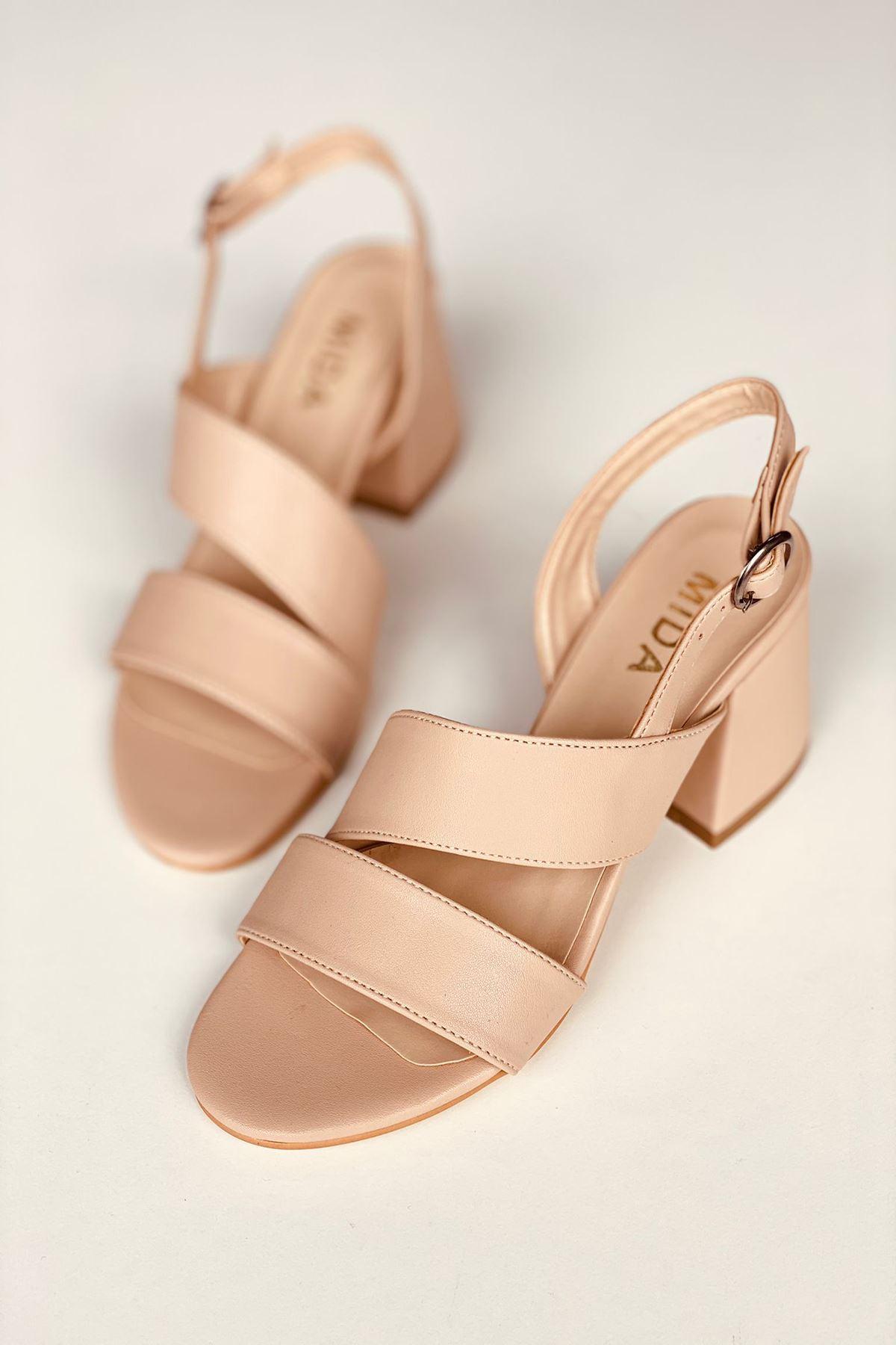 Y502 Ten Deri Topuklu Ayakkabı