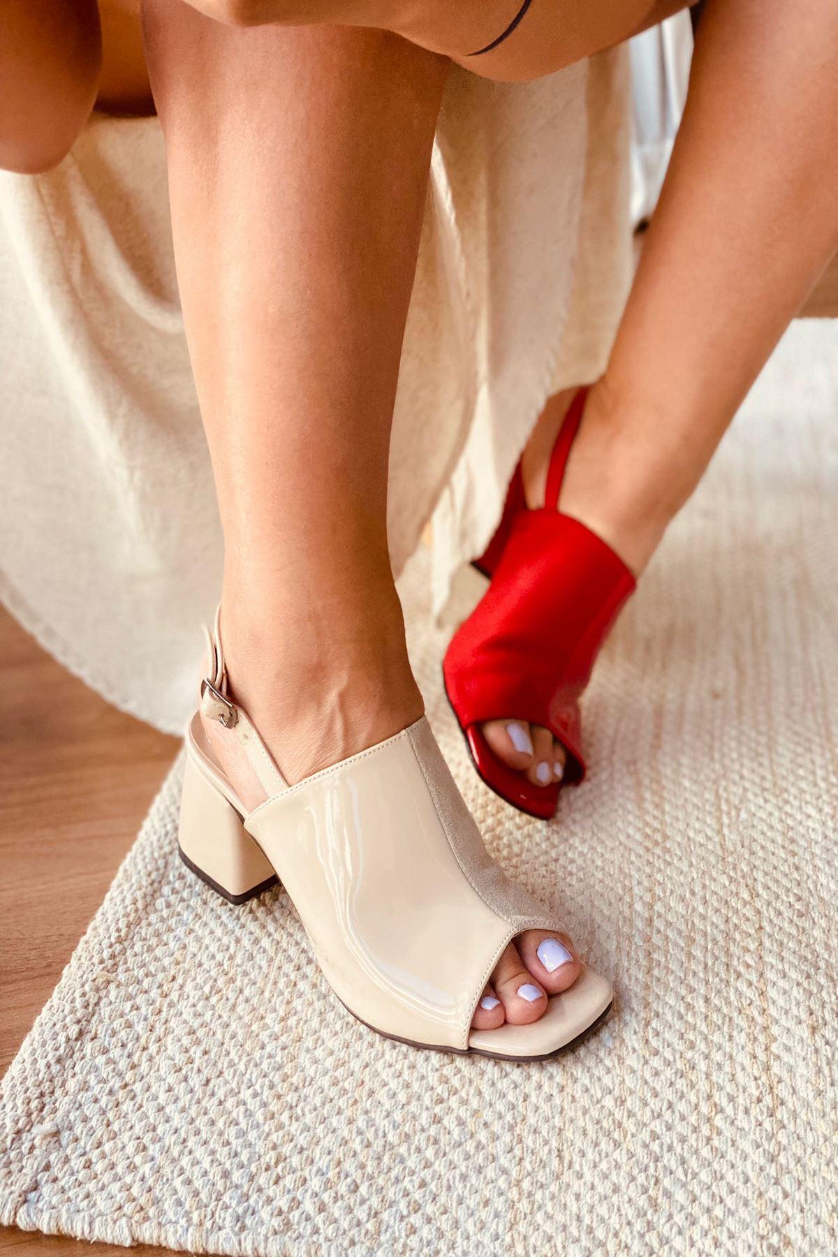 Y902 Ten Rugan Topuklu Ayakkabı