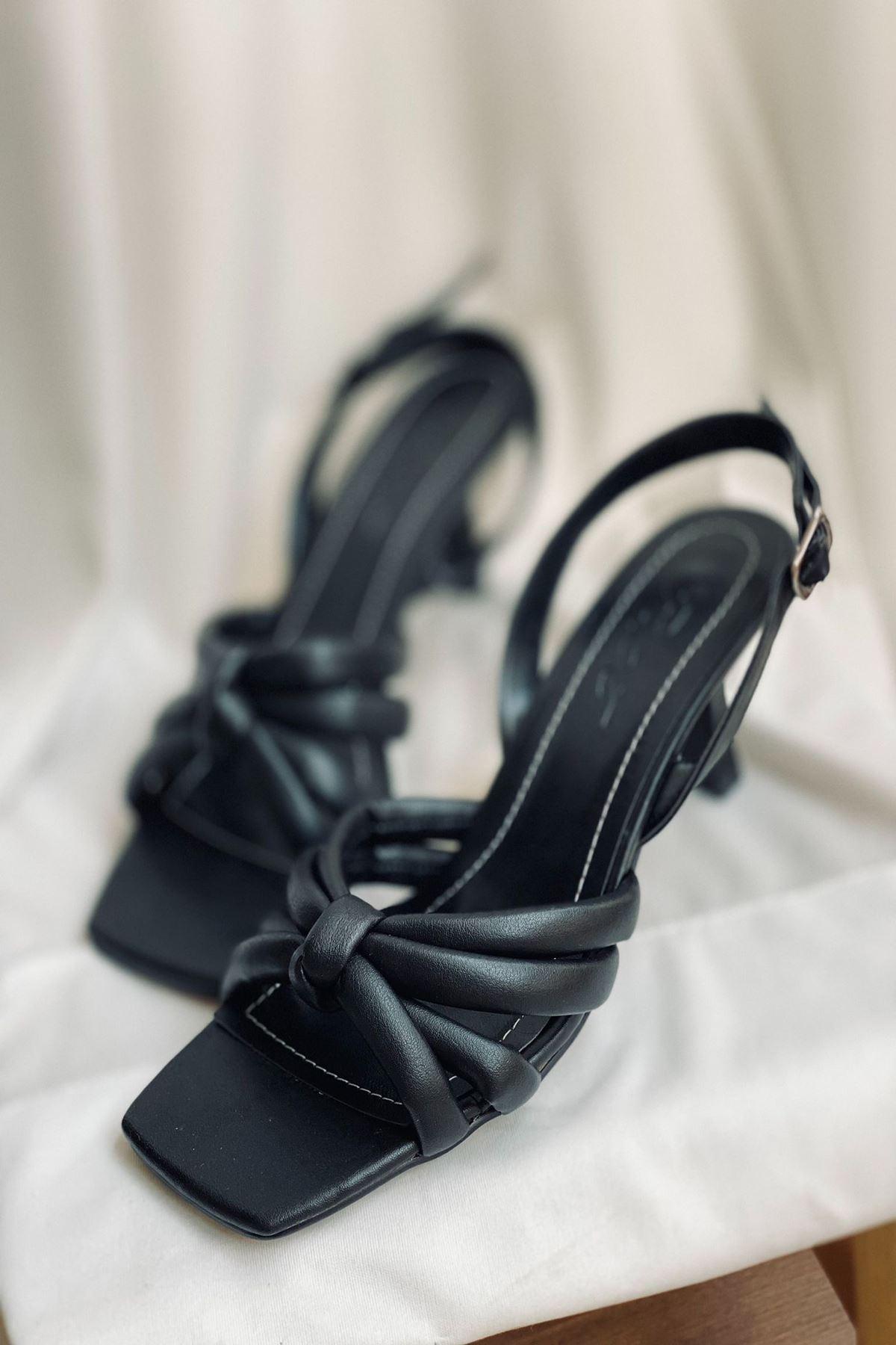Y923 Siyah Deri Topuklu Ayakkabı