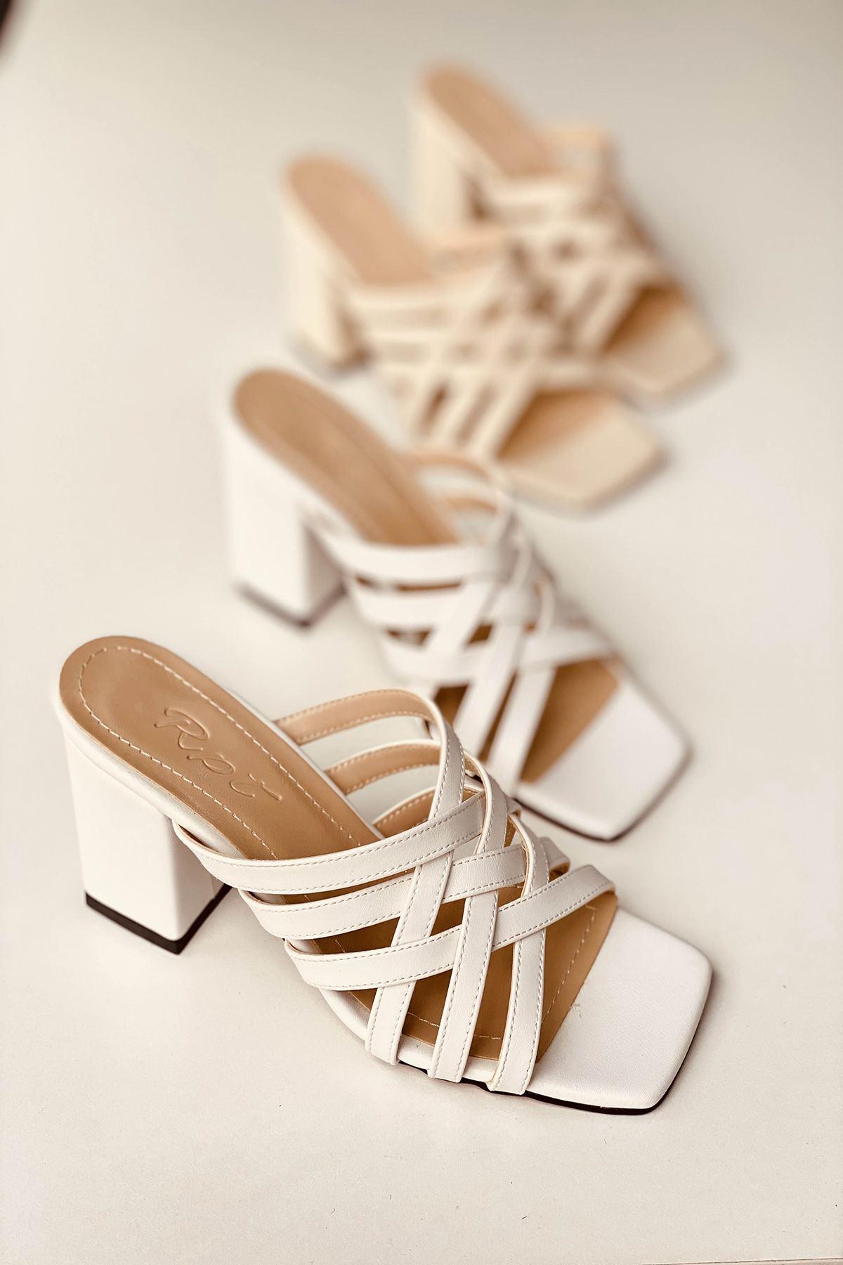 Y926 Beyaz Deri Topuklu Ayakkabı