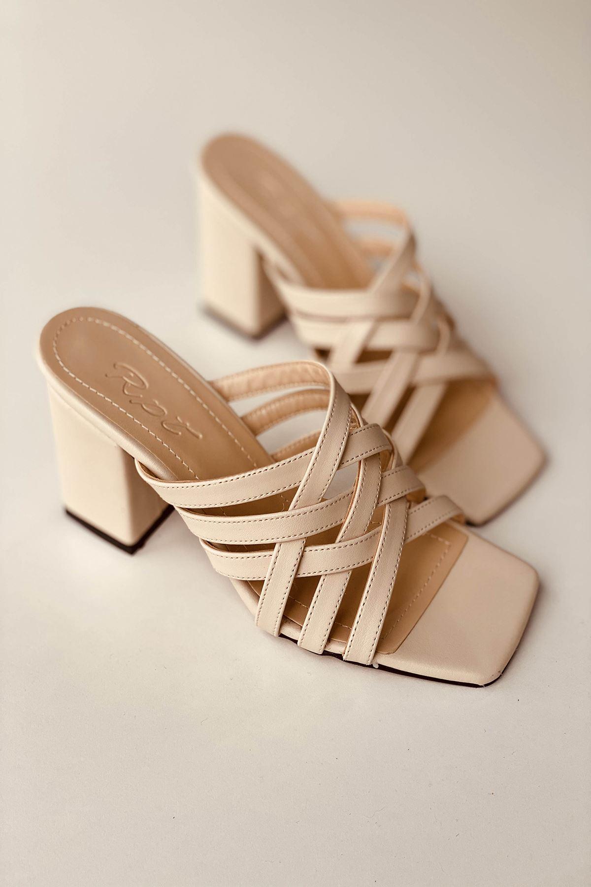 Y926 Ten Deri Topuklu Ayakkabı